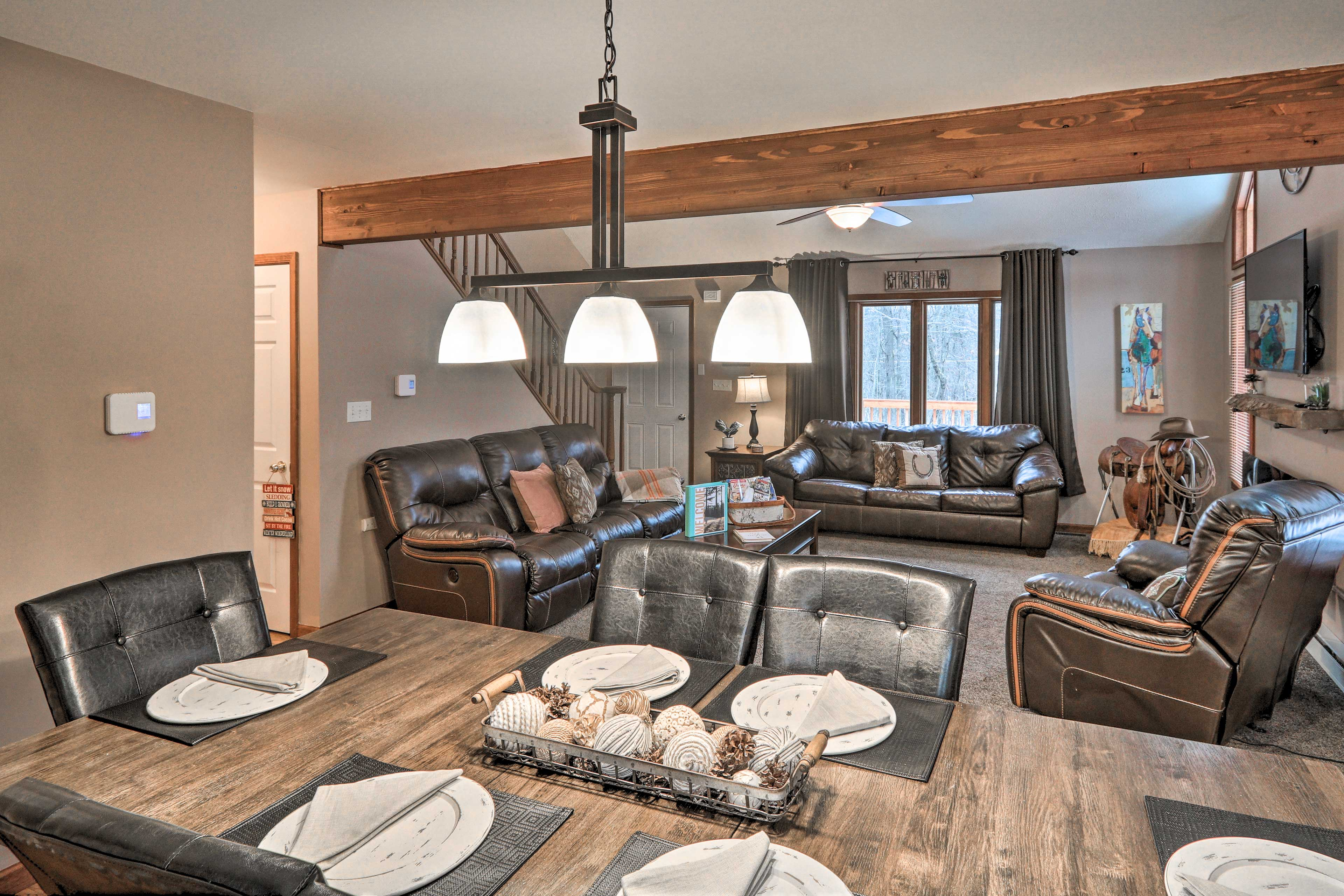 Dining Room   Living Room   Open-Concept Interior   Leather Recliners