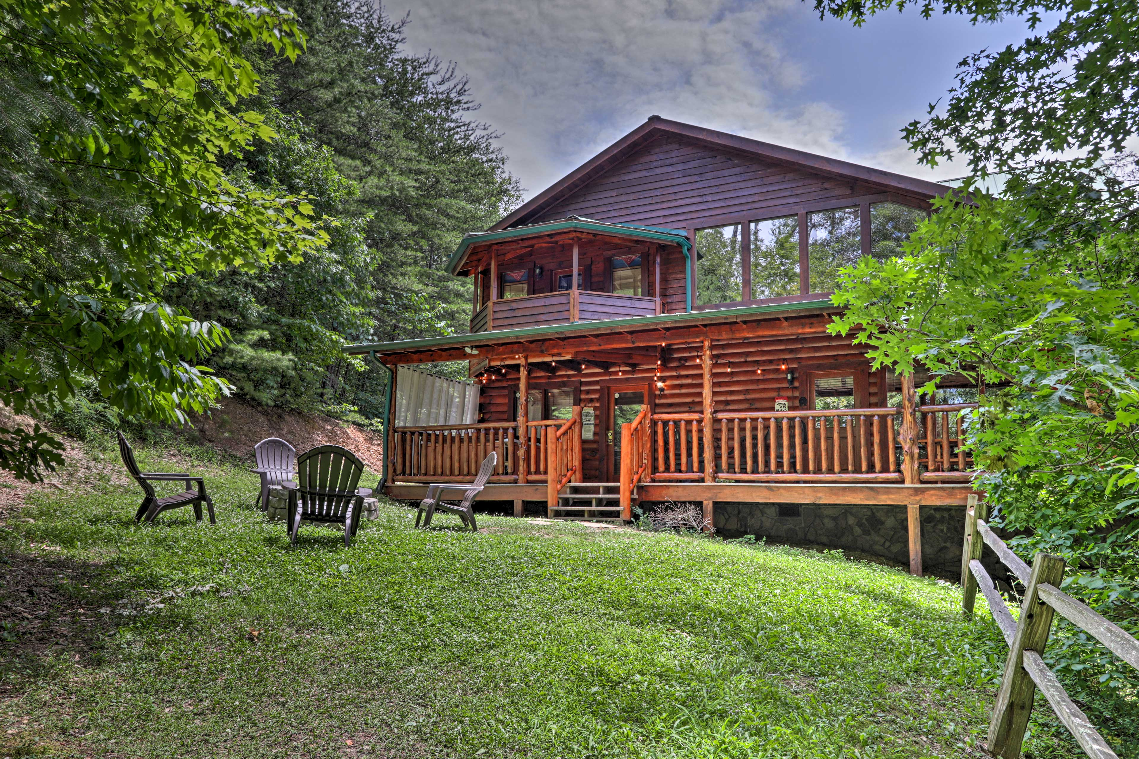 This spacious cabin is just 1 mile from the heart of Pigeon Forge!