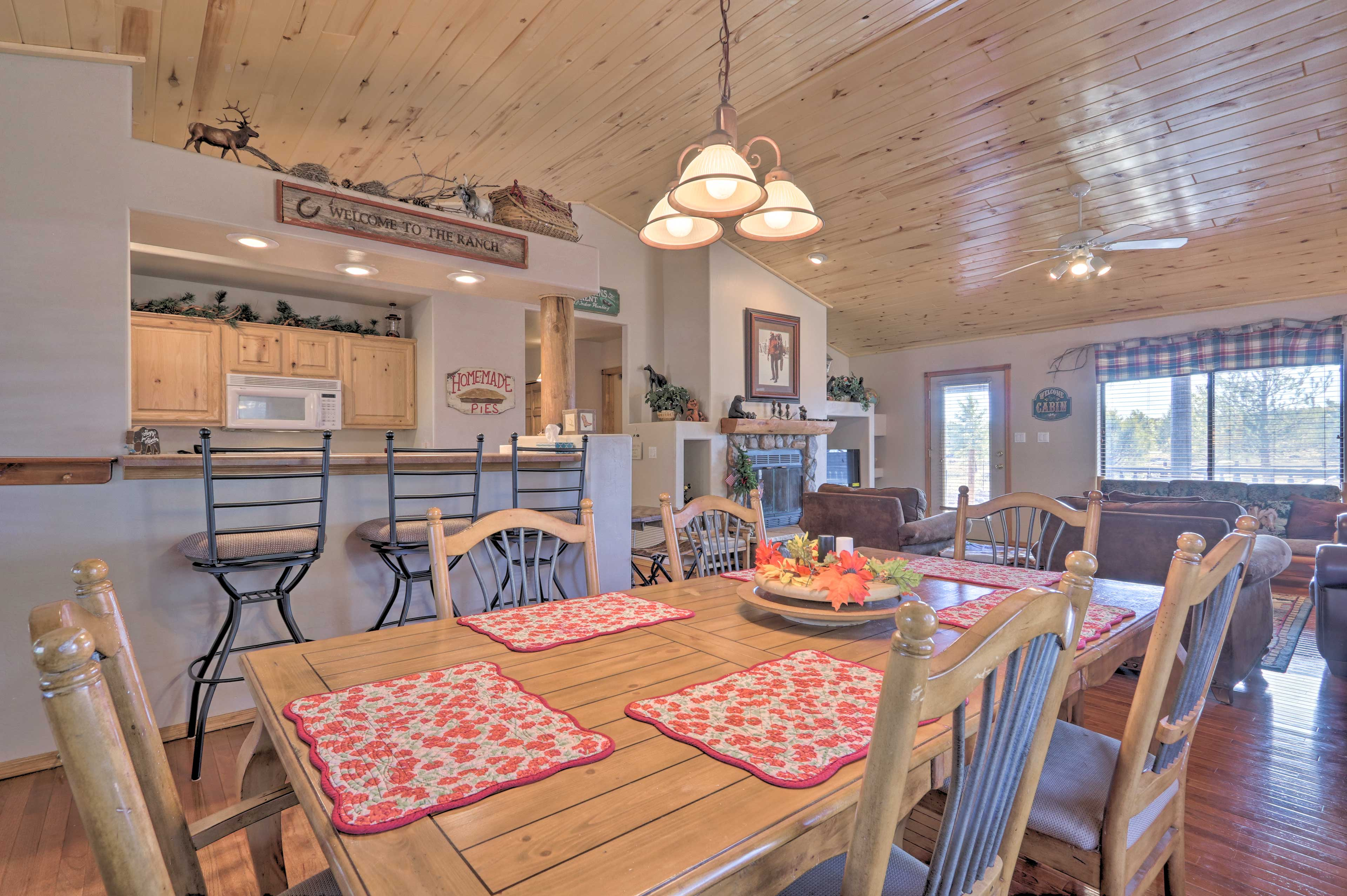 Share family meals around the dining table, or grab a seat at the breakfast bar!