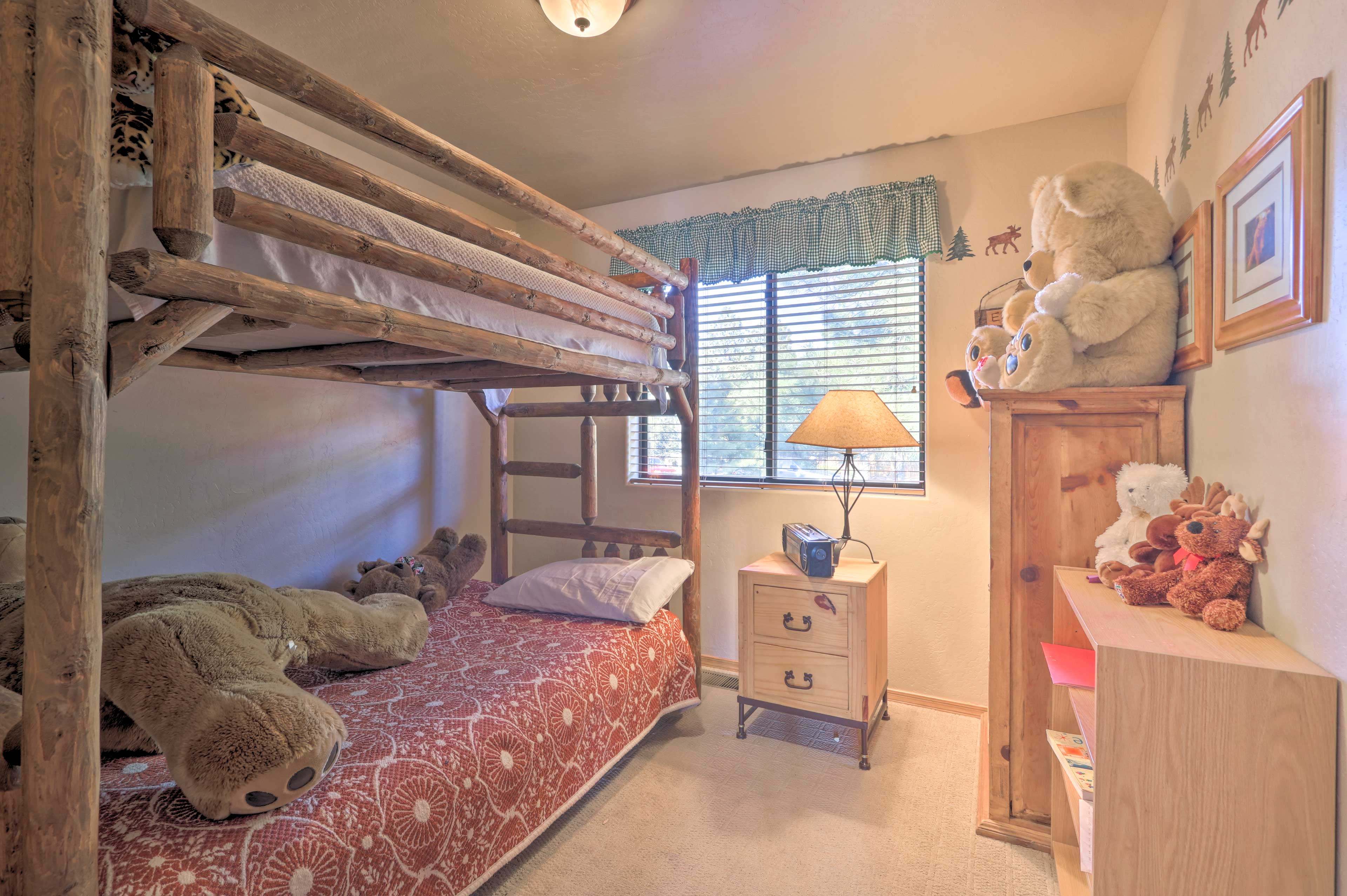 The 3rd bedroom also hosts a bunk bed.