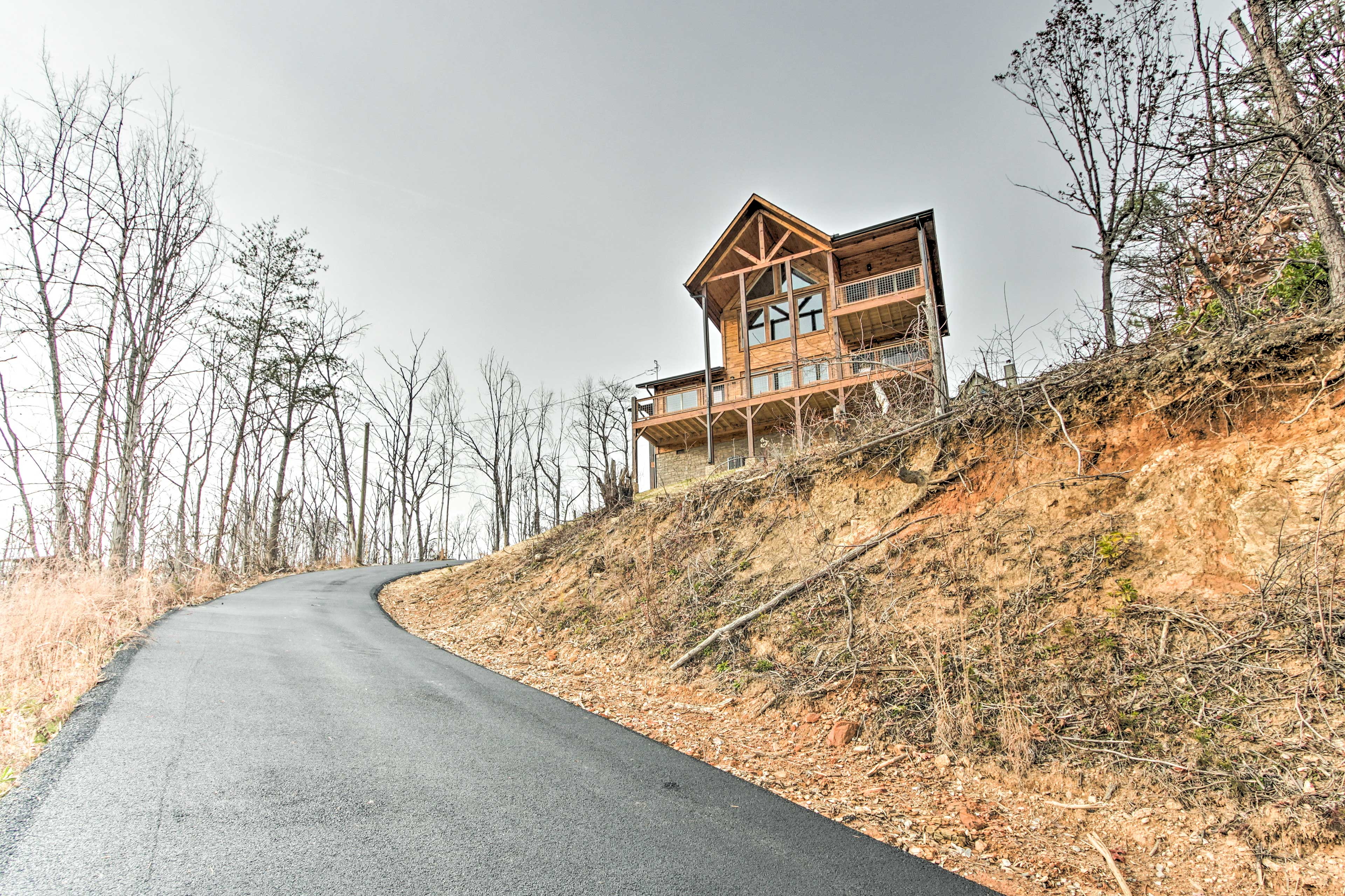 Gatlinburg and Pigeon Forge are both only minutes away!