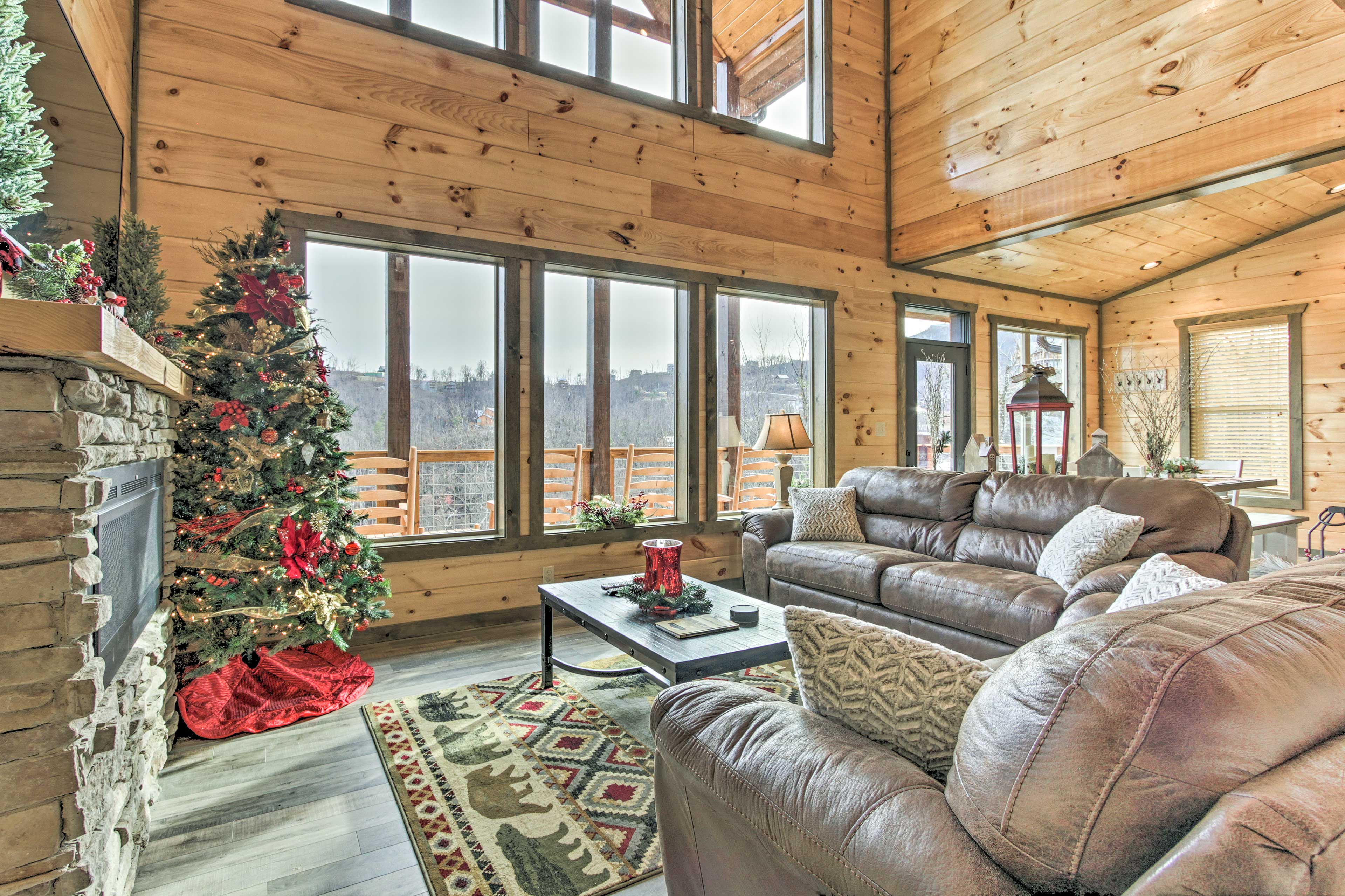 Find your Tennessee mountain refuge in this rustic vacation rental!
