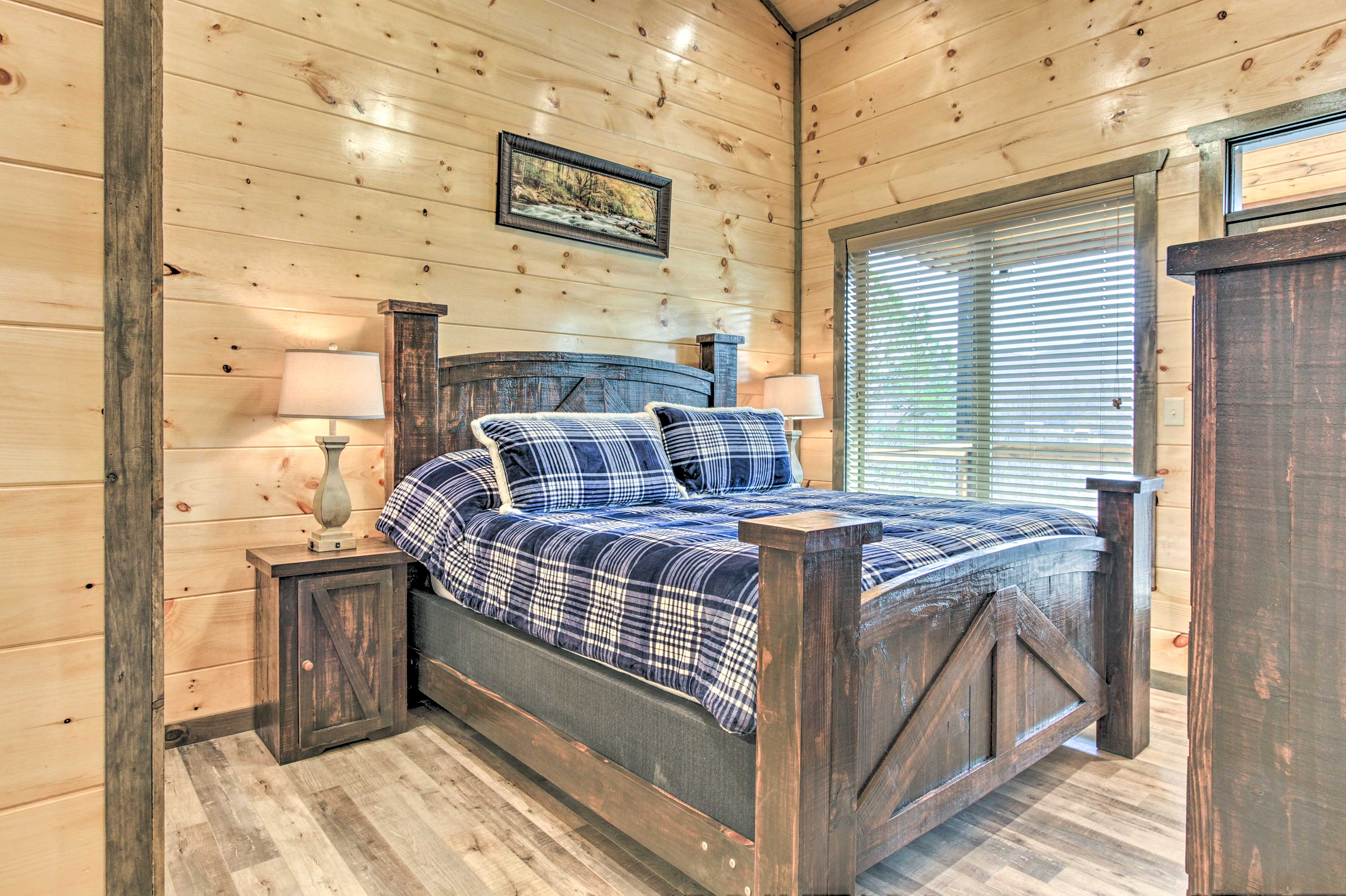 Drift off to sleep on the second master's king bed!