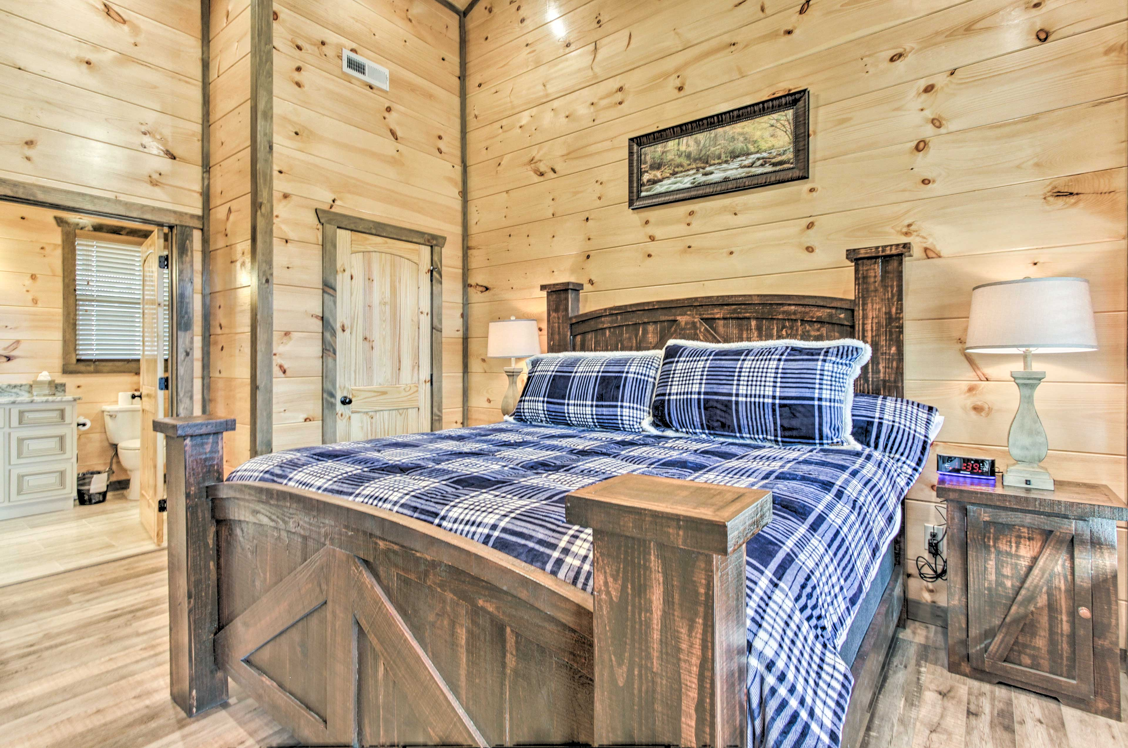 The cabin sleeps 6 guests with a sleeper sofa and an XL air mattress.