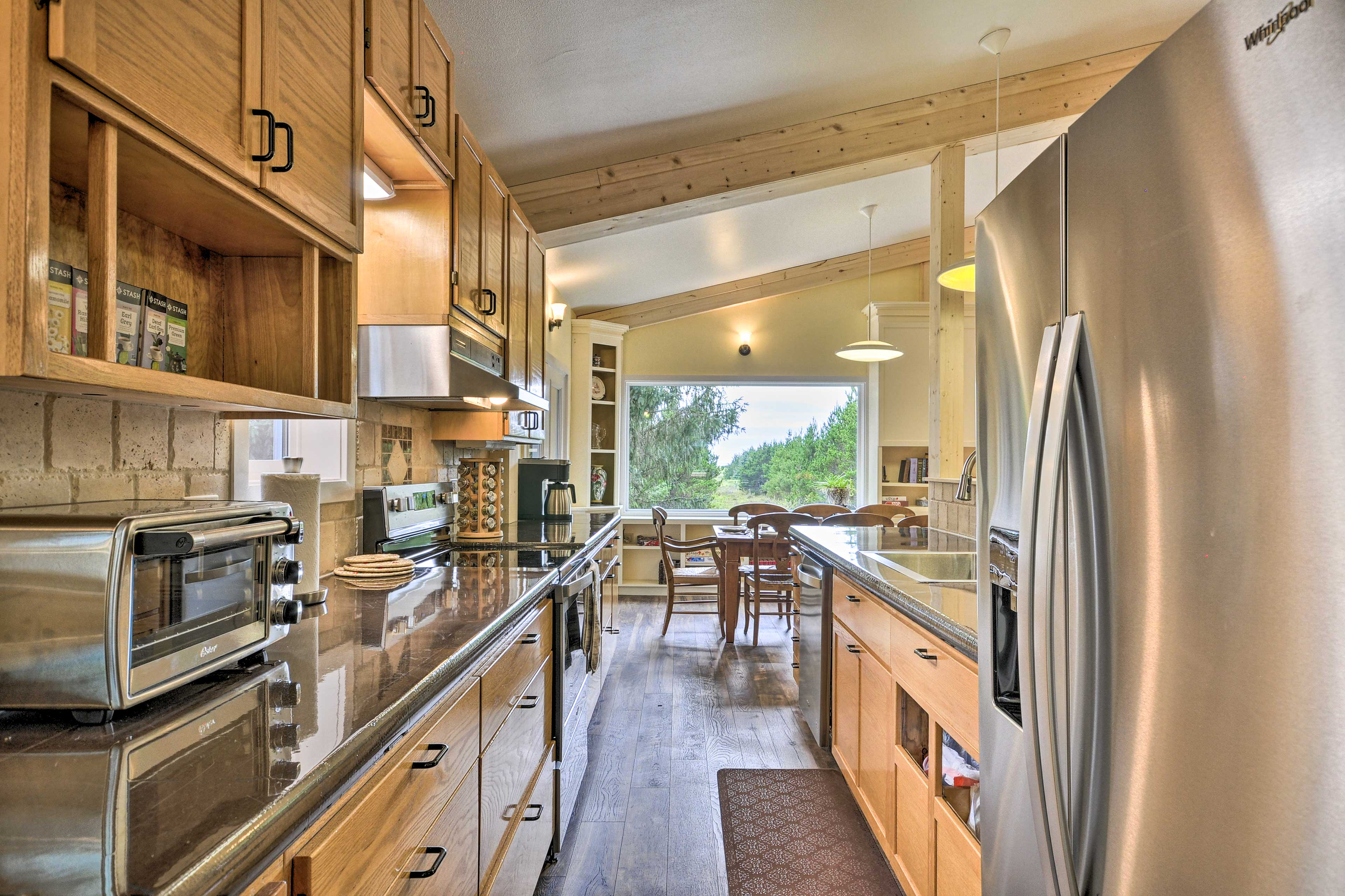 Fully Equipped Kitchen 1 | Spices | Drip Coffee Maker | Top Appliances