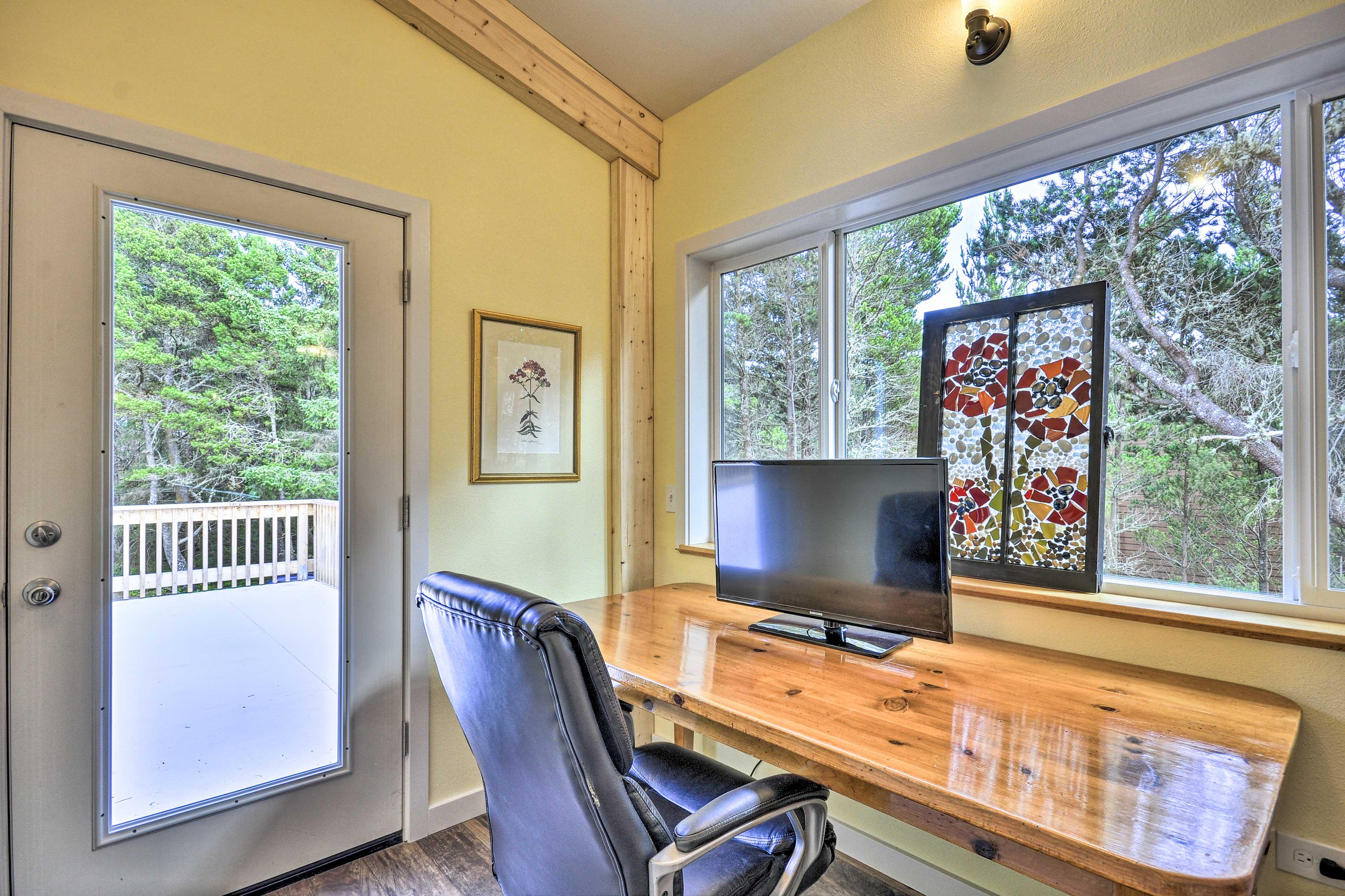 Upstairs Living Room | Desk