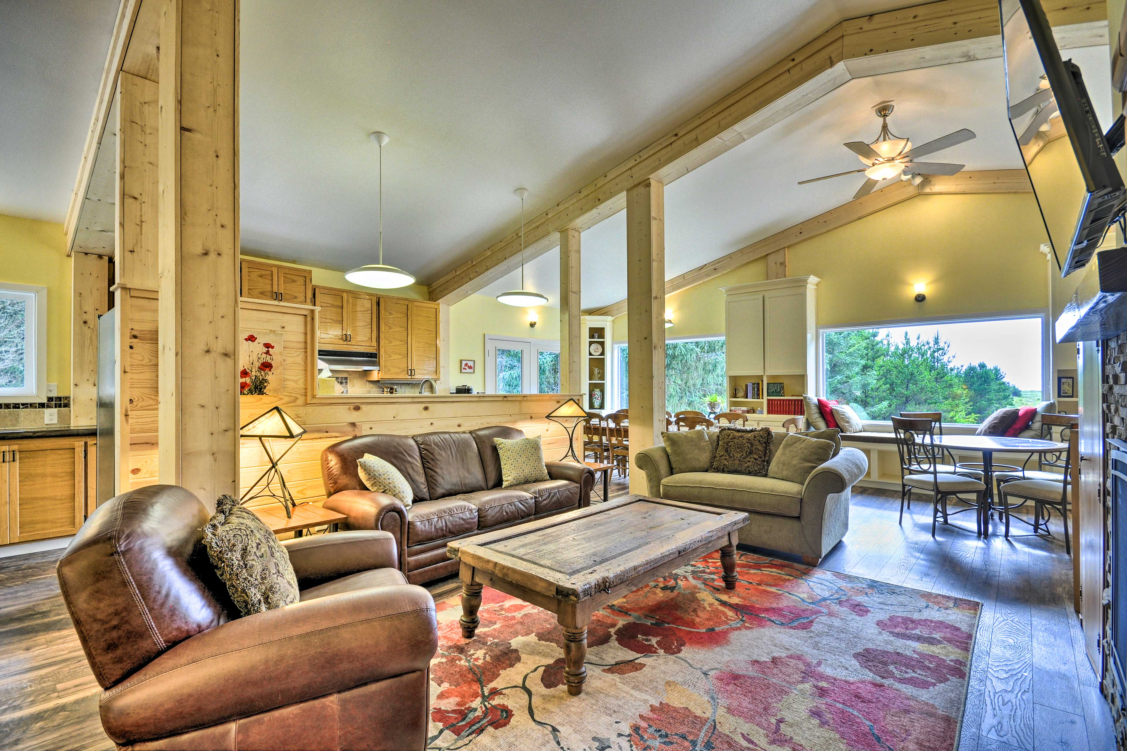 Upstairs Living Room | Central A/C & Heating | Smart TV | Gas Fireplace