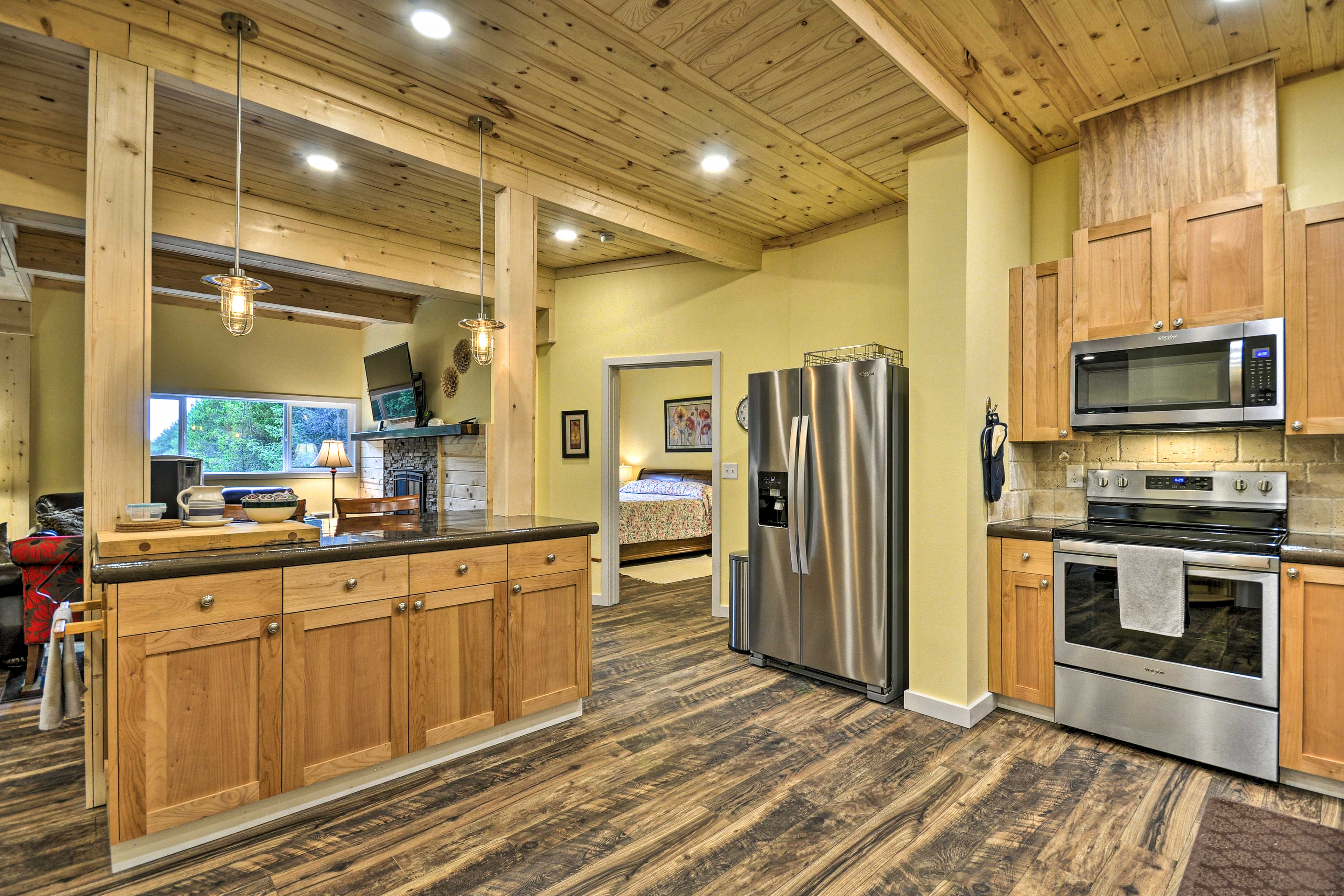 Fully Equipped Kitchen 2 | Top Appliances