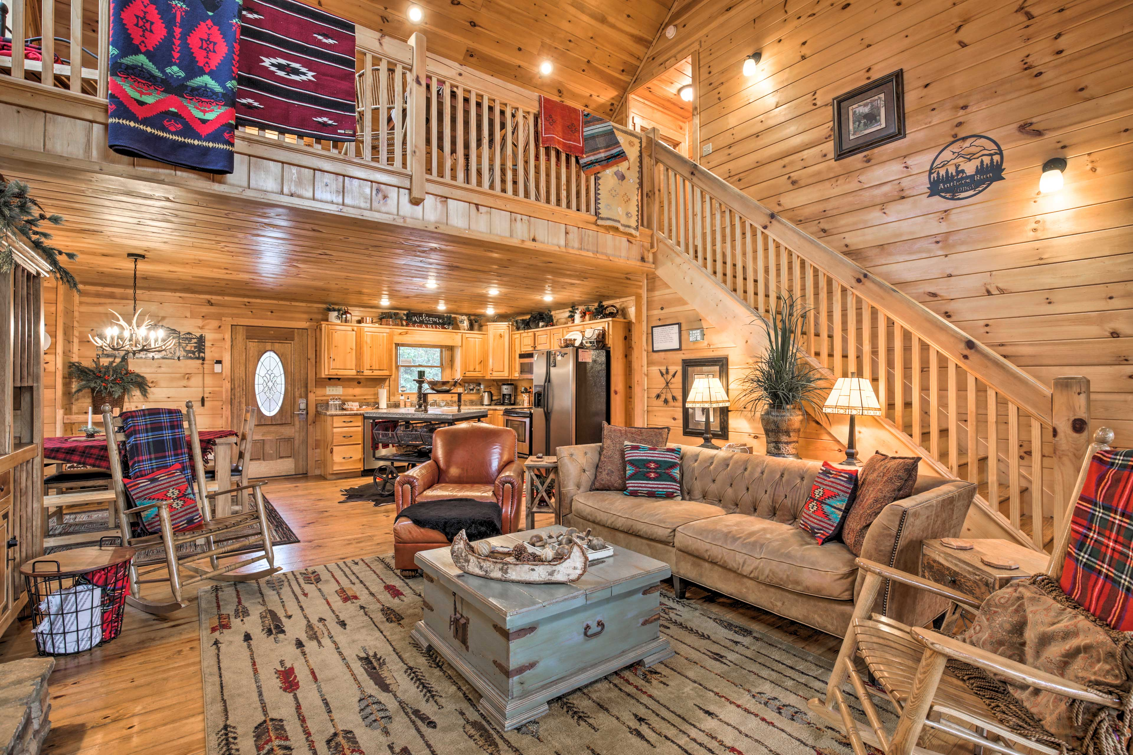 Mineral Bluff Vacation Rental Cabin | 3BR | 3BA | 2,400 Sq Ft | Steps Required