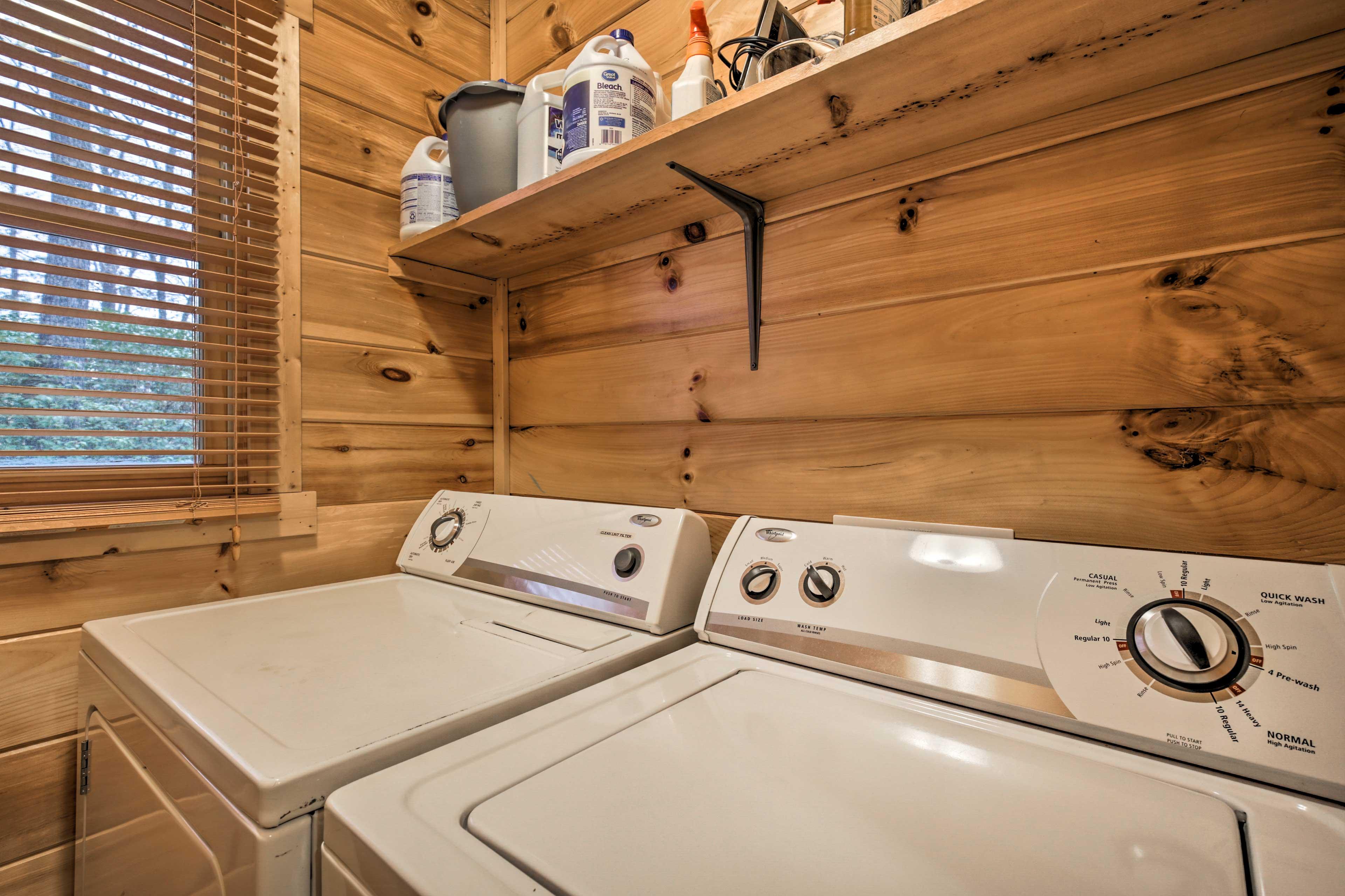 Laundry Room | Full-Sized Washer/Dryer