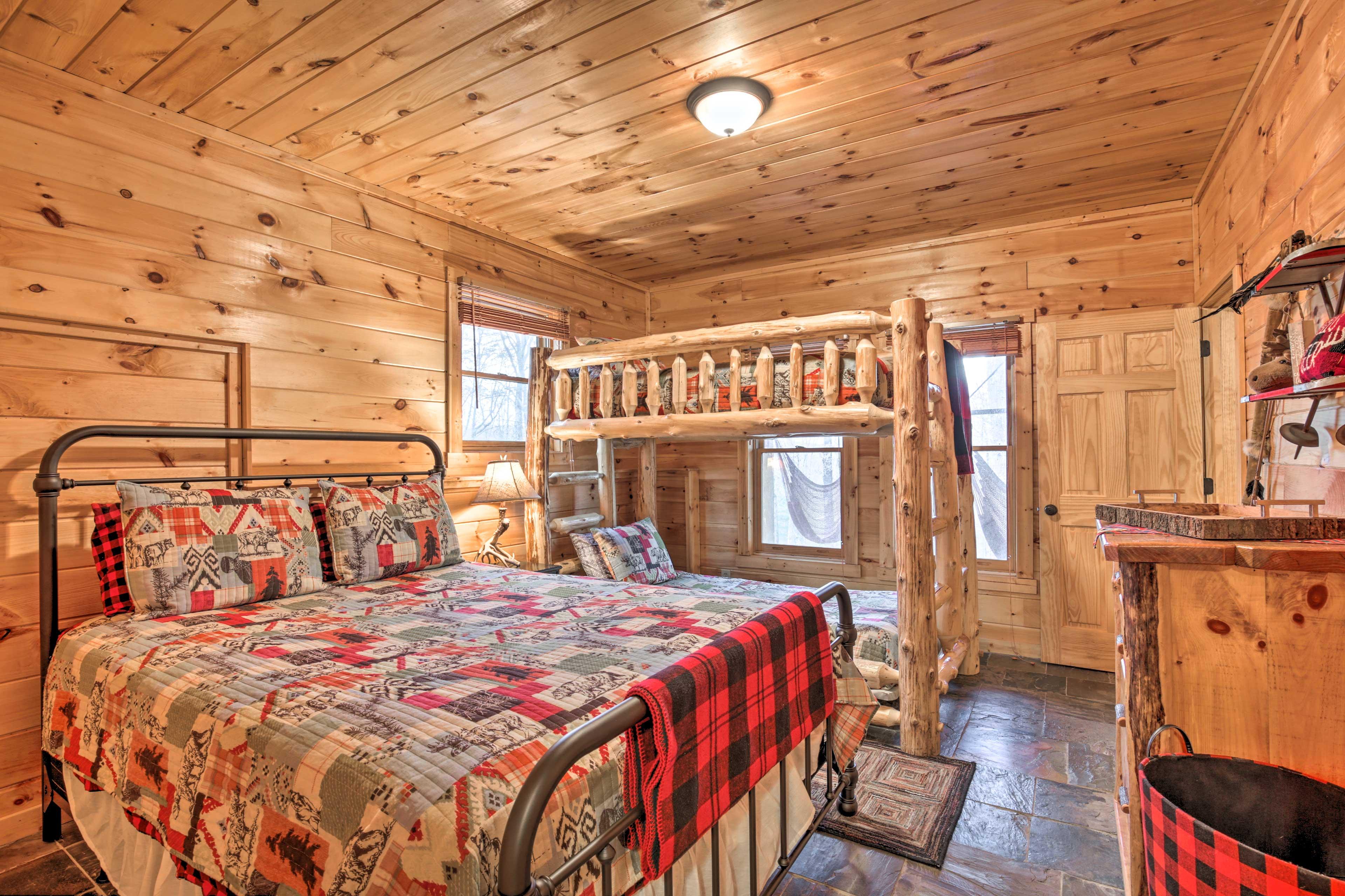 Bedroom 3 | Queen Bed | Twin Bunk Bed