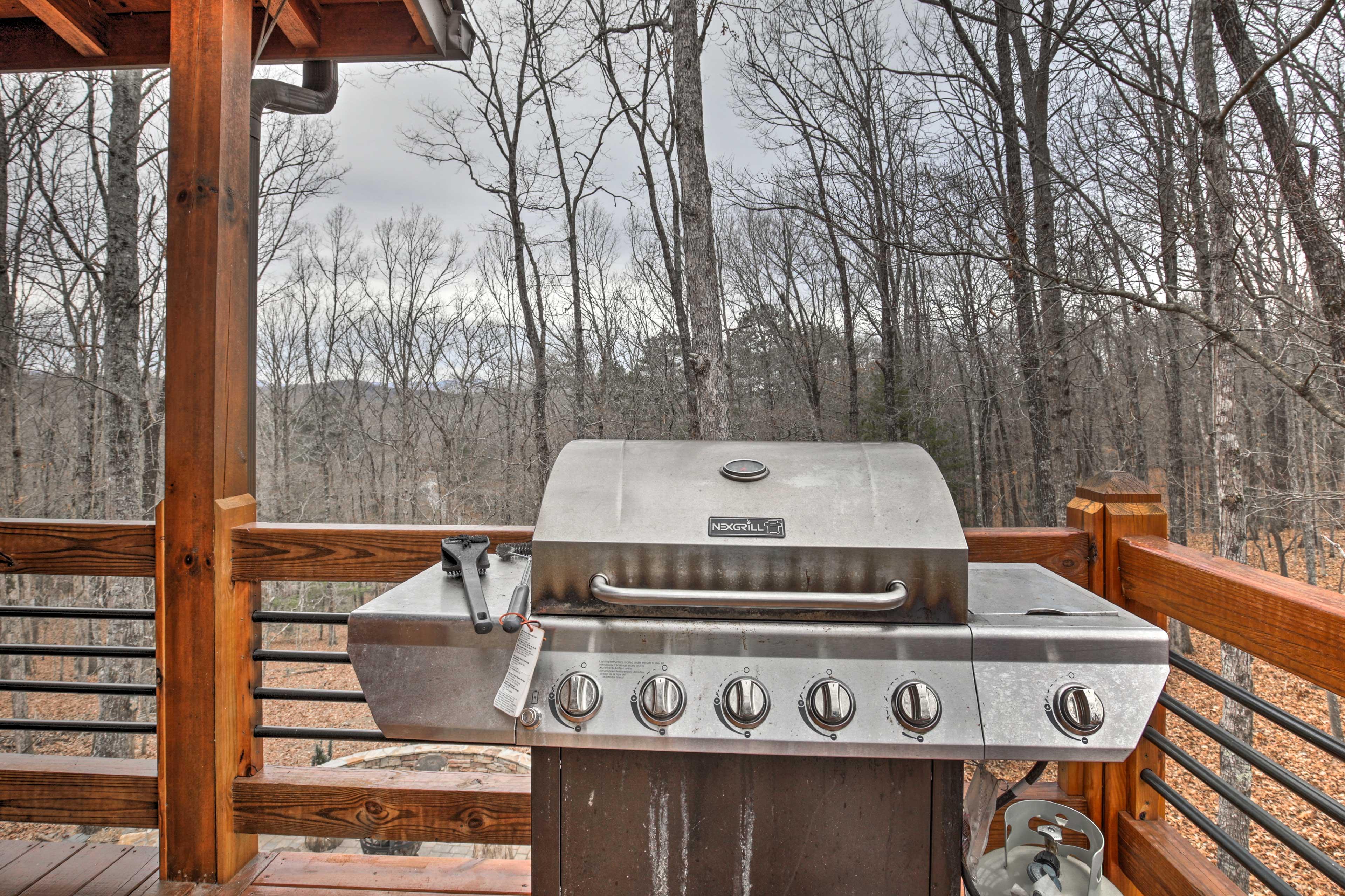 Wraparound Deck | Gas Grill