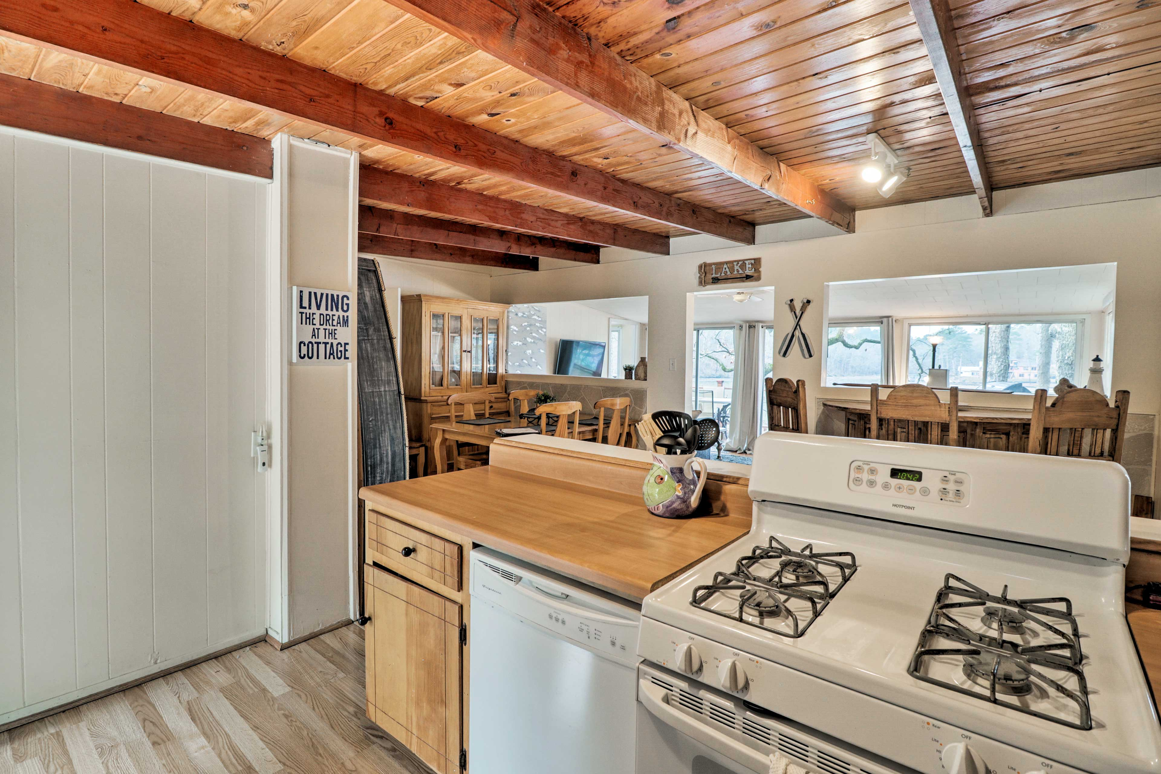 This fully equipped kitchen comes with cooking basics for guests' convenience!