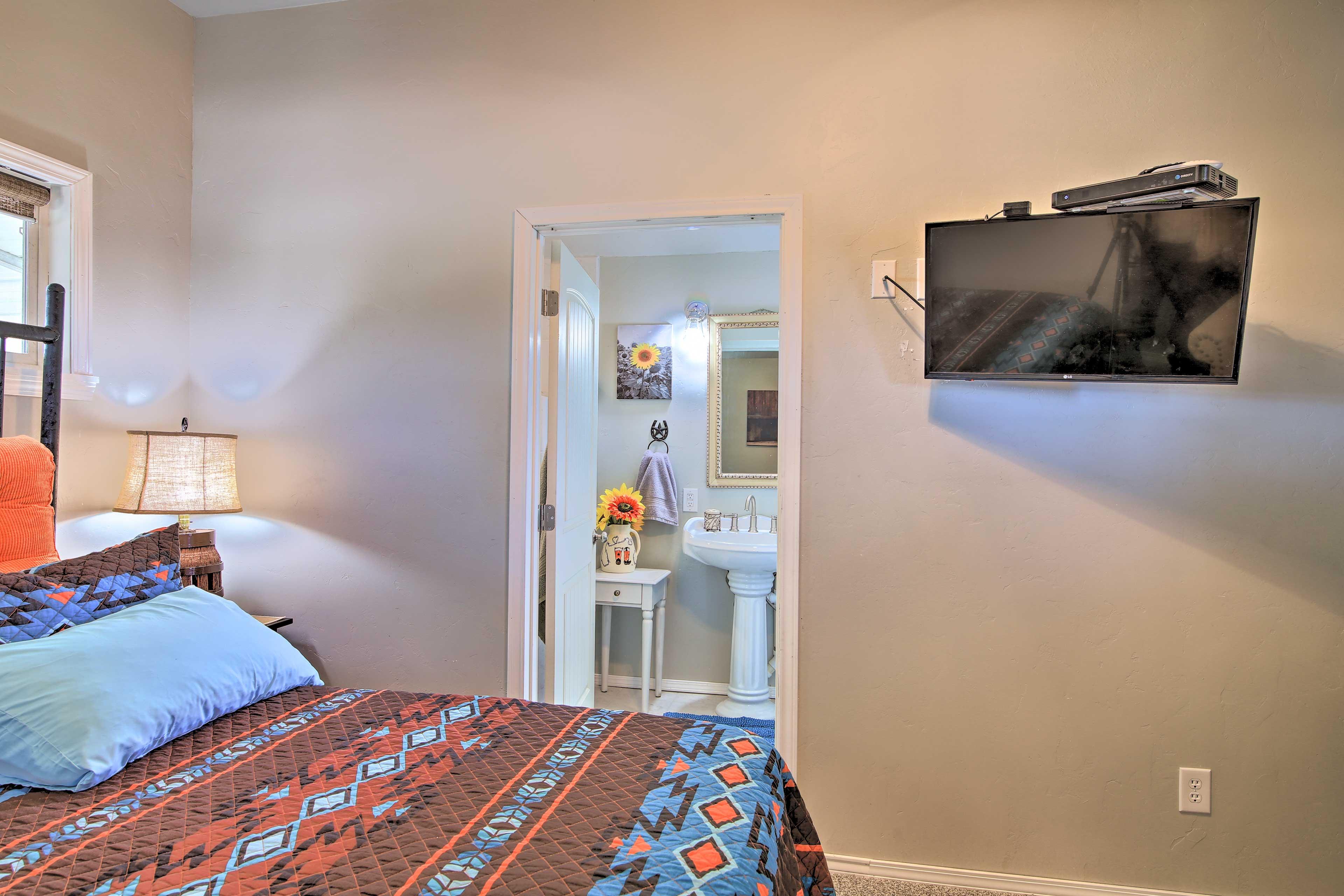The second bedroom also has an en-suite bathroom!
