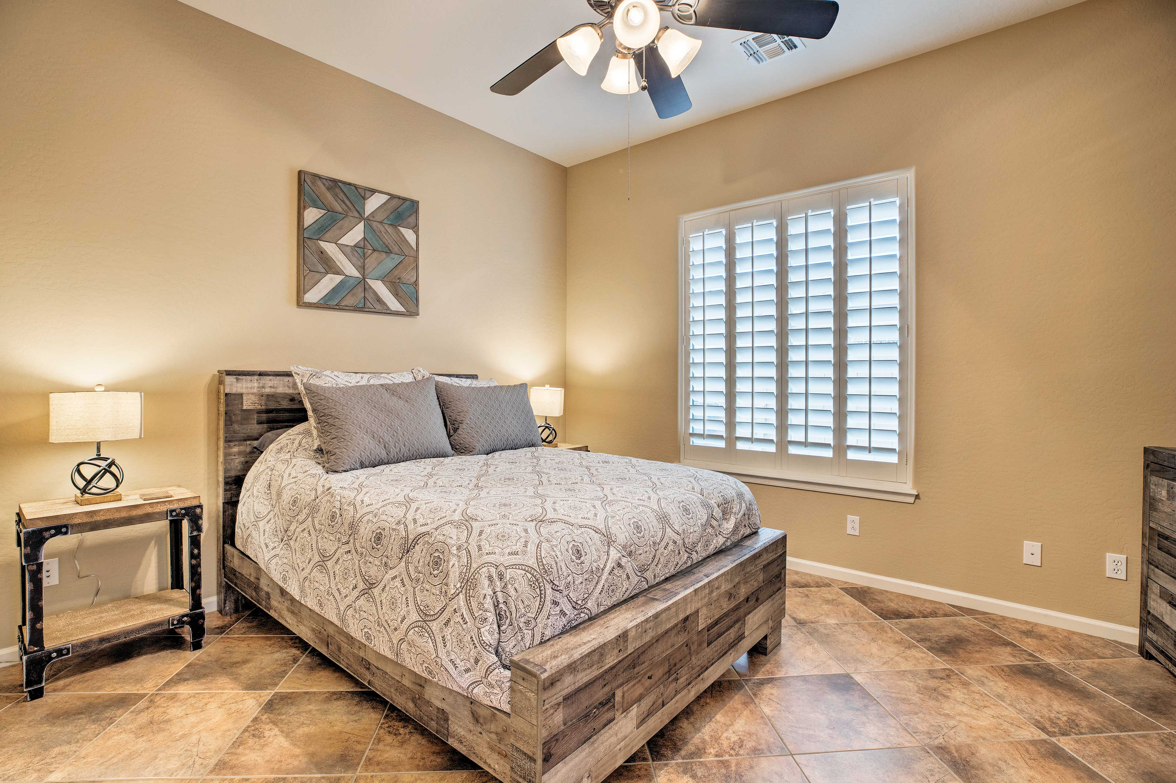 The home's additional 2 bedrooms both feature queen beds.