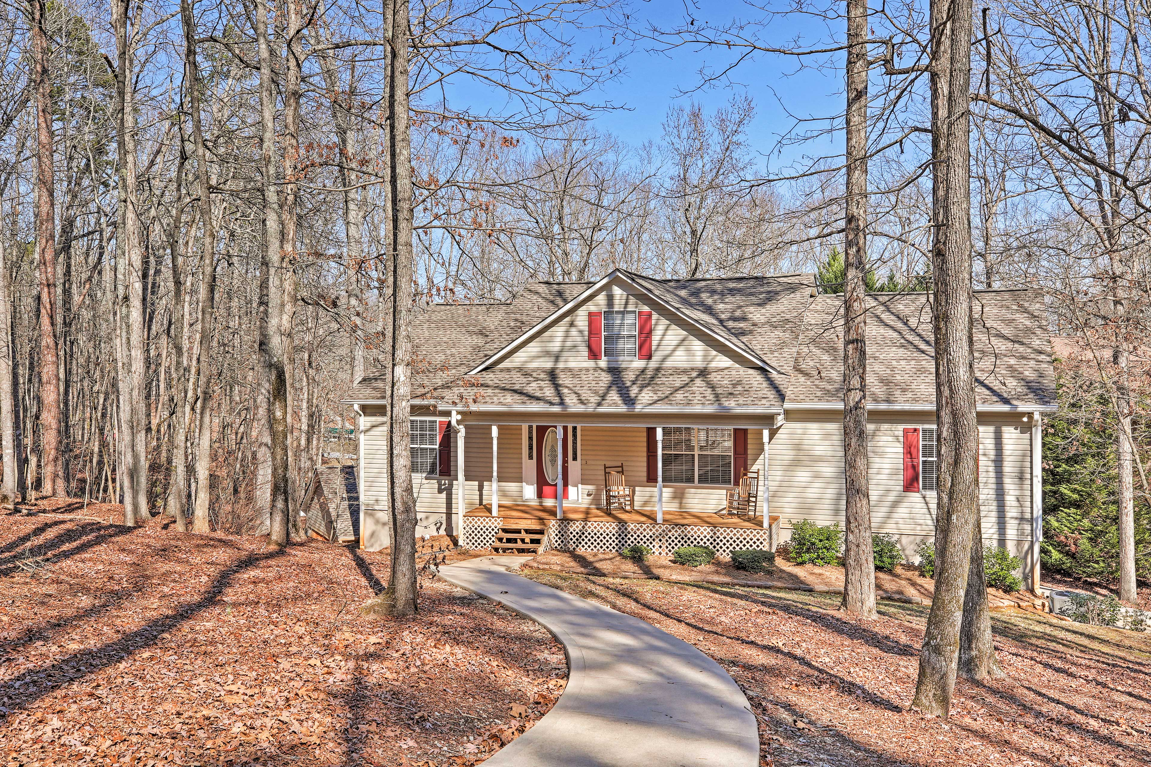 This 6-bed, 4-bath Eatonton vacation rental is perfect for your group getaway.