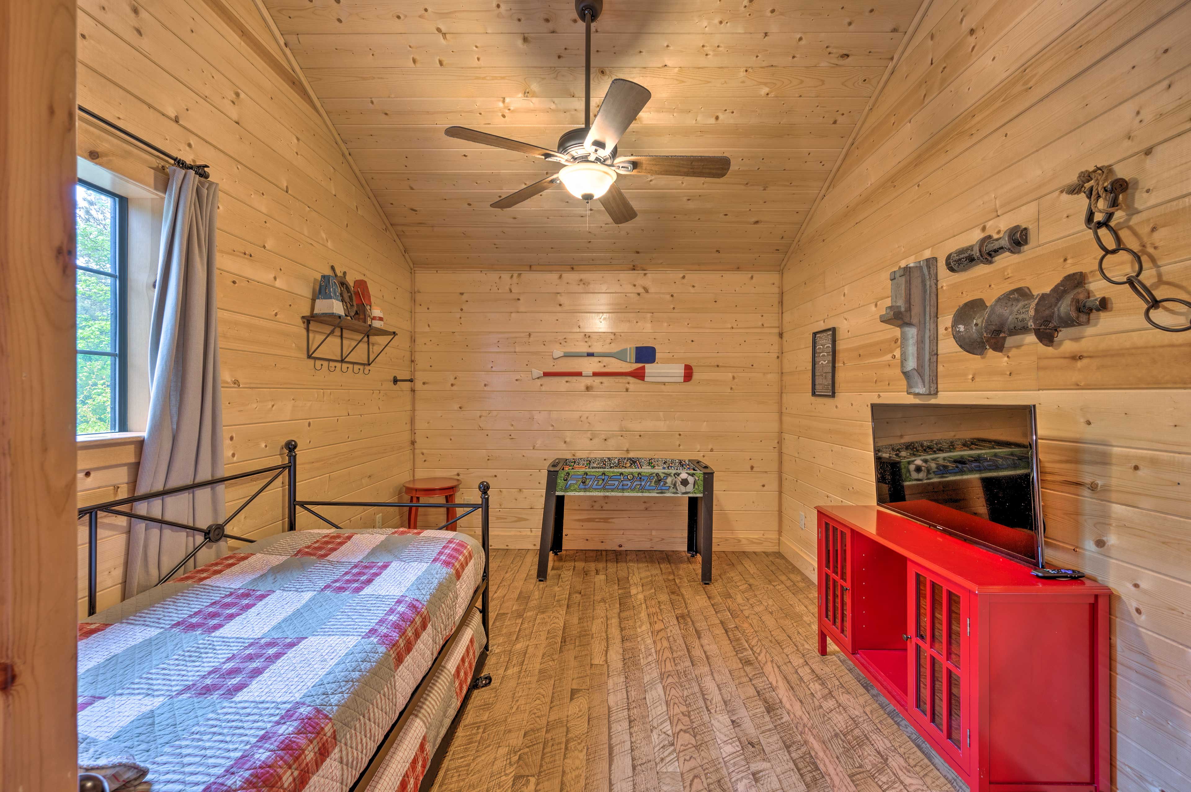 Bedroom 4 | Foosball Table | Smart TV w/ Cable