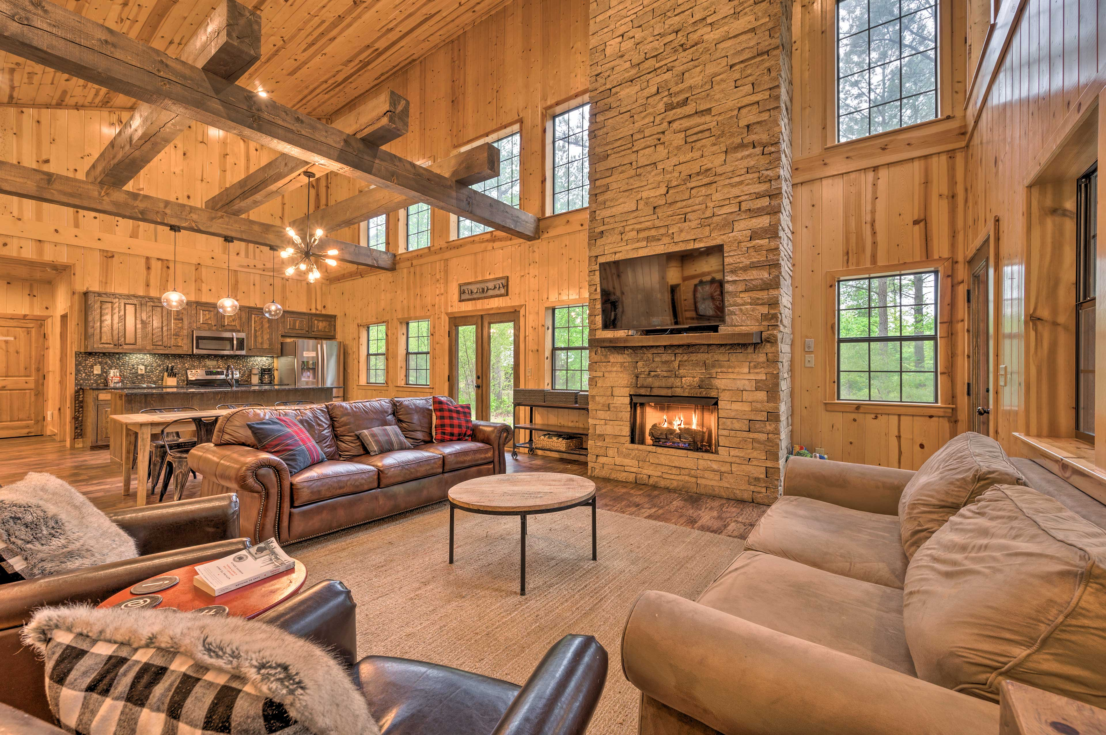 Broken Bow Vacation Rental Home | 4BR | 3BA | 1,750 Sq Ft | Step-Free Access