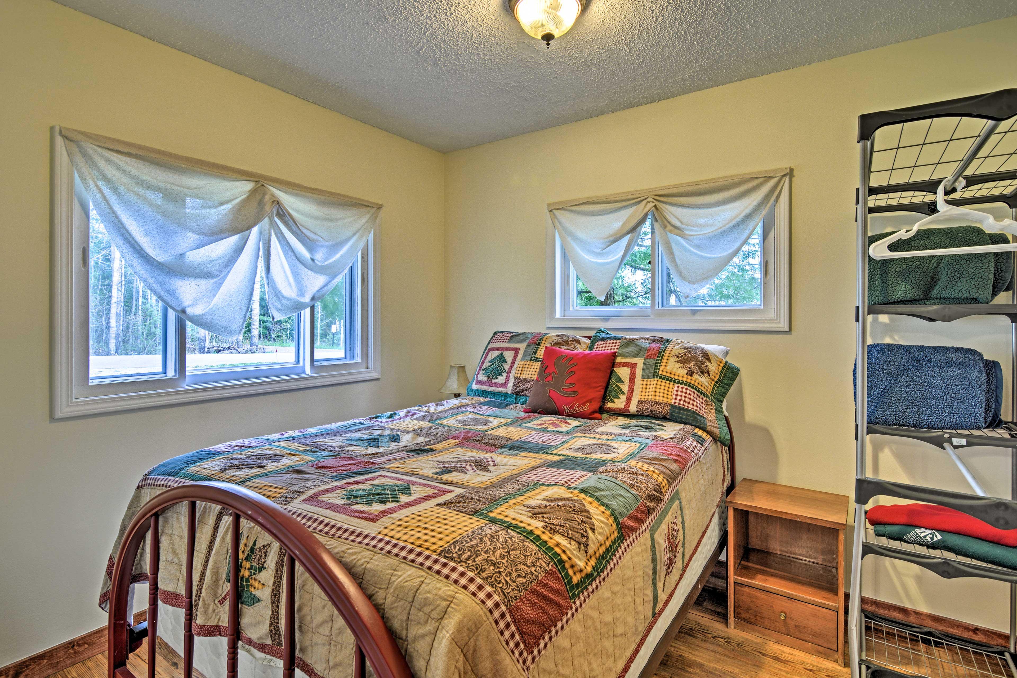 Bedroom 1 | Full Bed