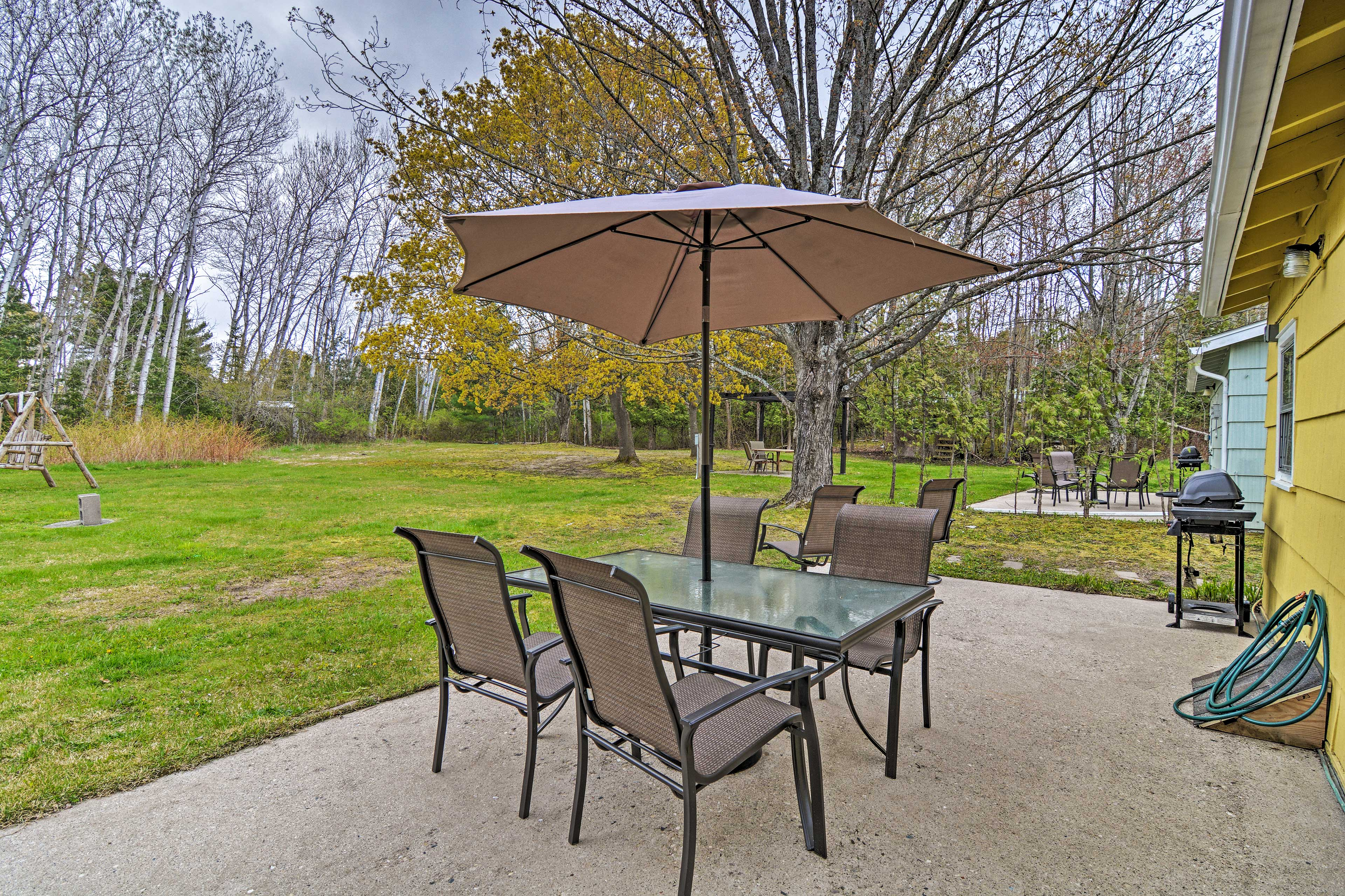 Charlevoix Vacation Rental | 2BR | 1BA | 420 Sq Ft | Step-Free Access