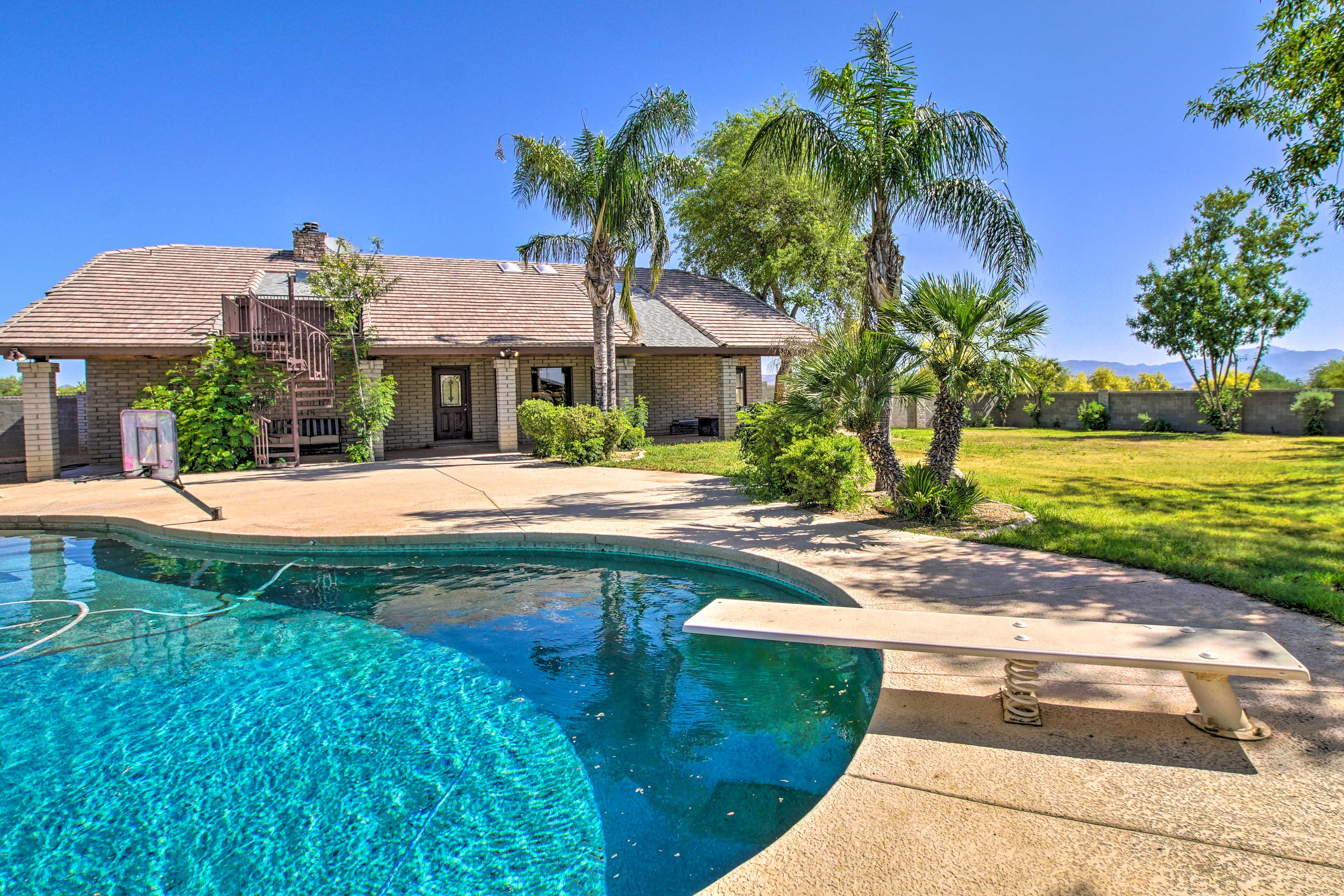 Book this Scottsdale paradise for a fun-filled, sunny retreat!