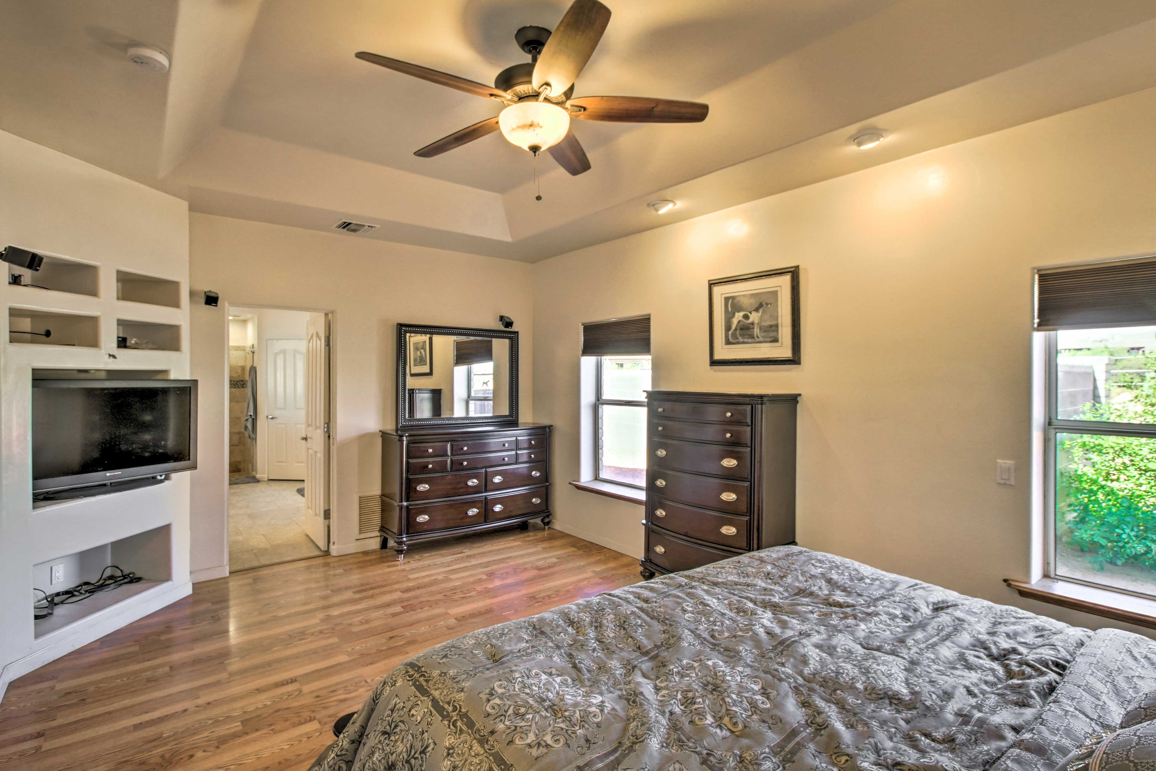 There's ample space for you and your loved one to unpack here.