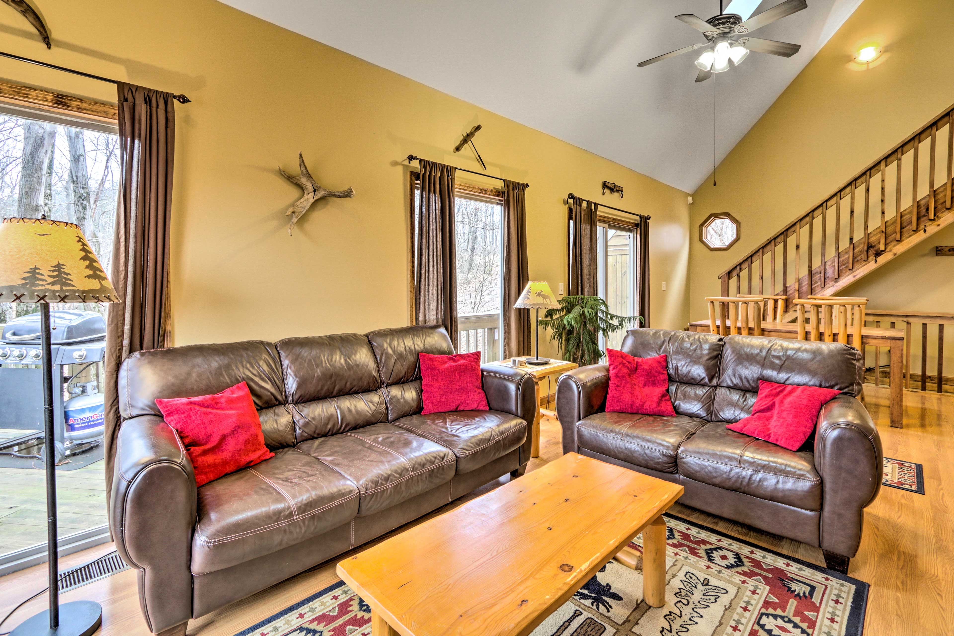 Relax in the living room after a hike at Old Man's Cave or a trip to Logan.