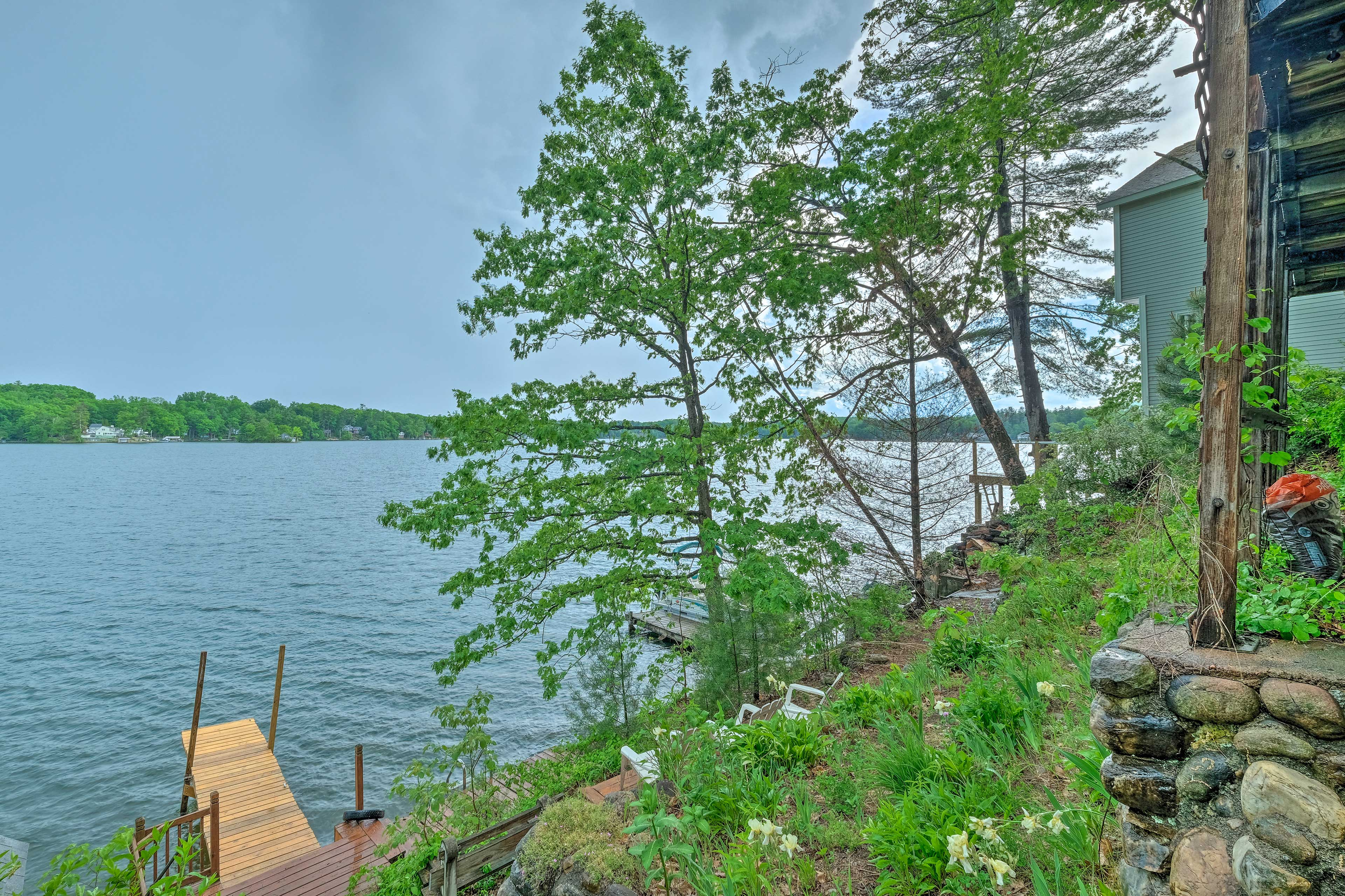 Bring your boat and tie it up right at the cabin!
