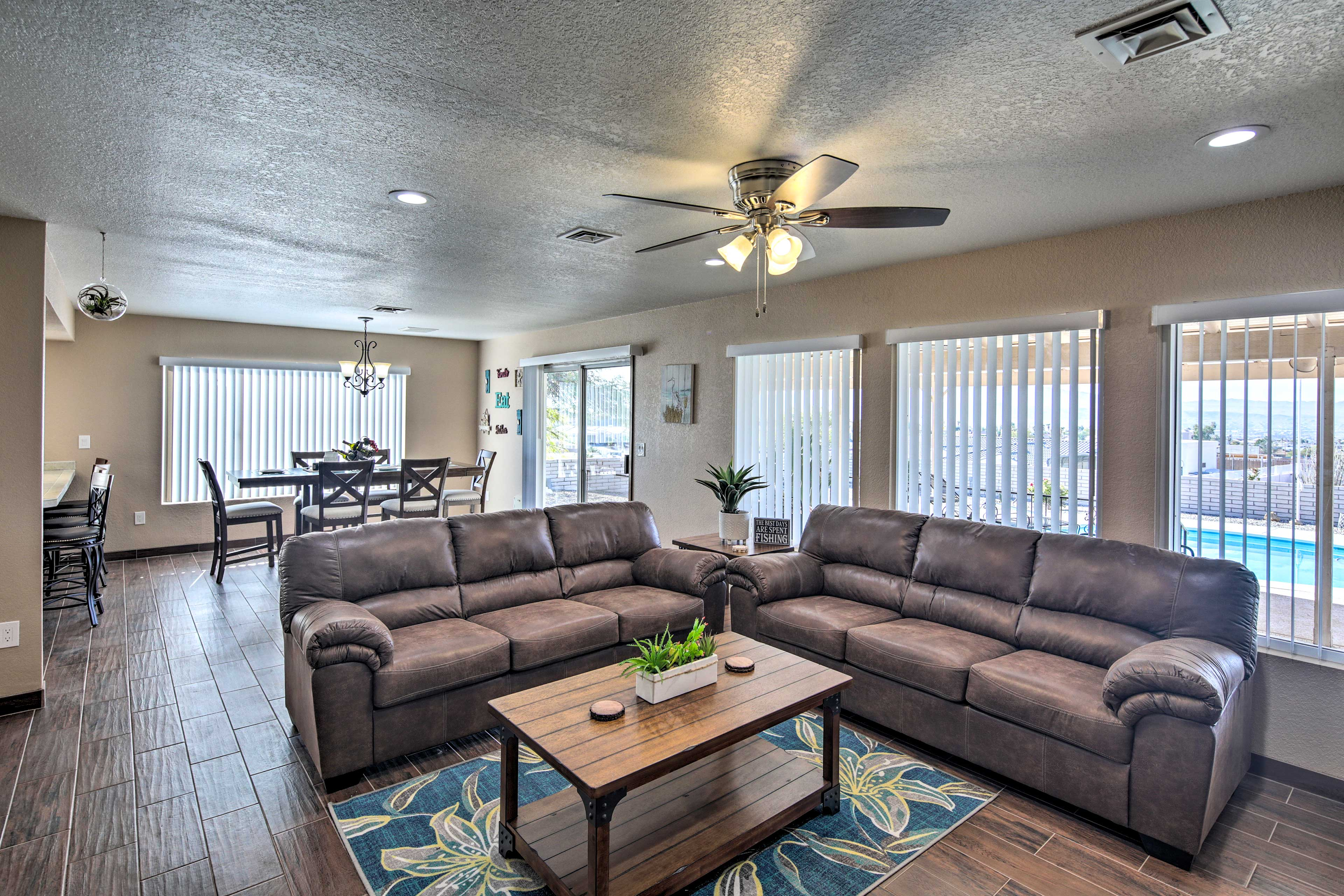 Lake Havasu State Park is just 2 miles from this cozy abode!