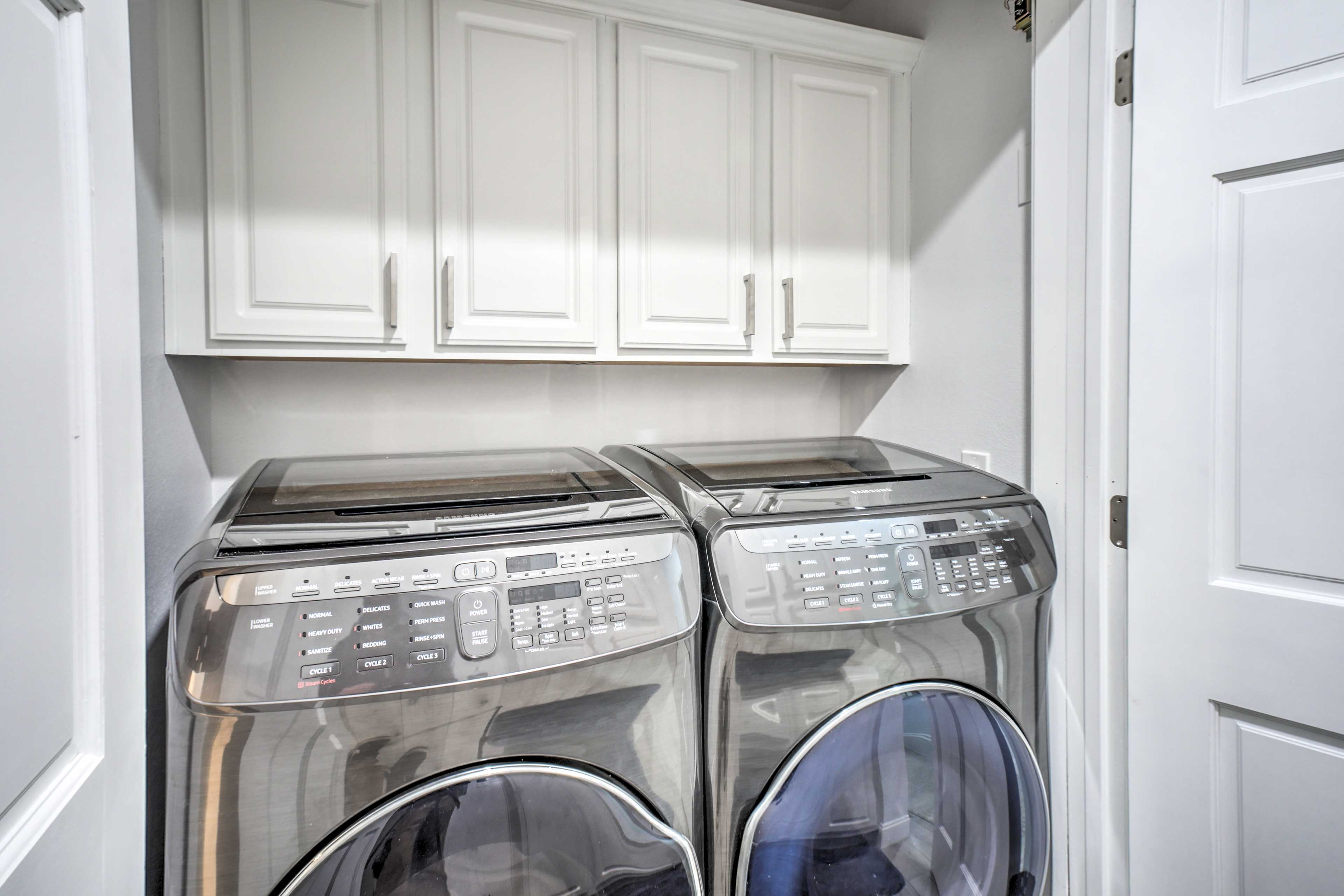 Keep your boating gear fresh with the on-site washer/dryer.