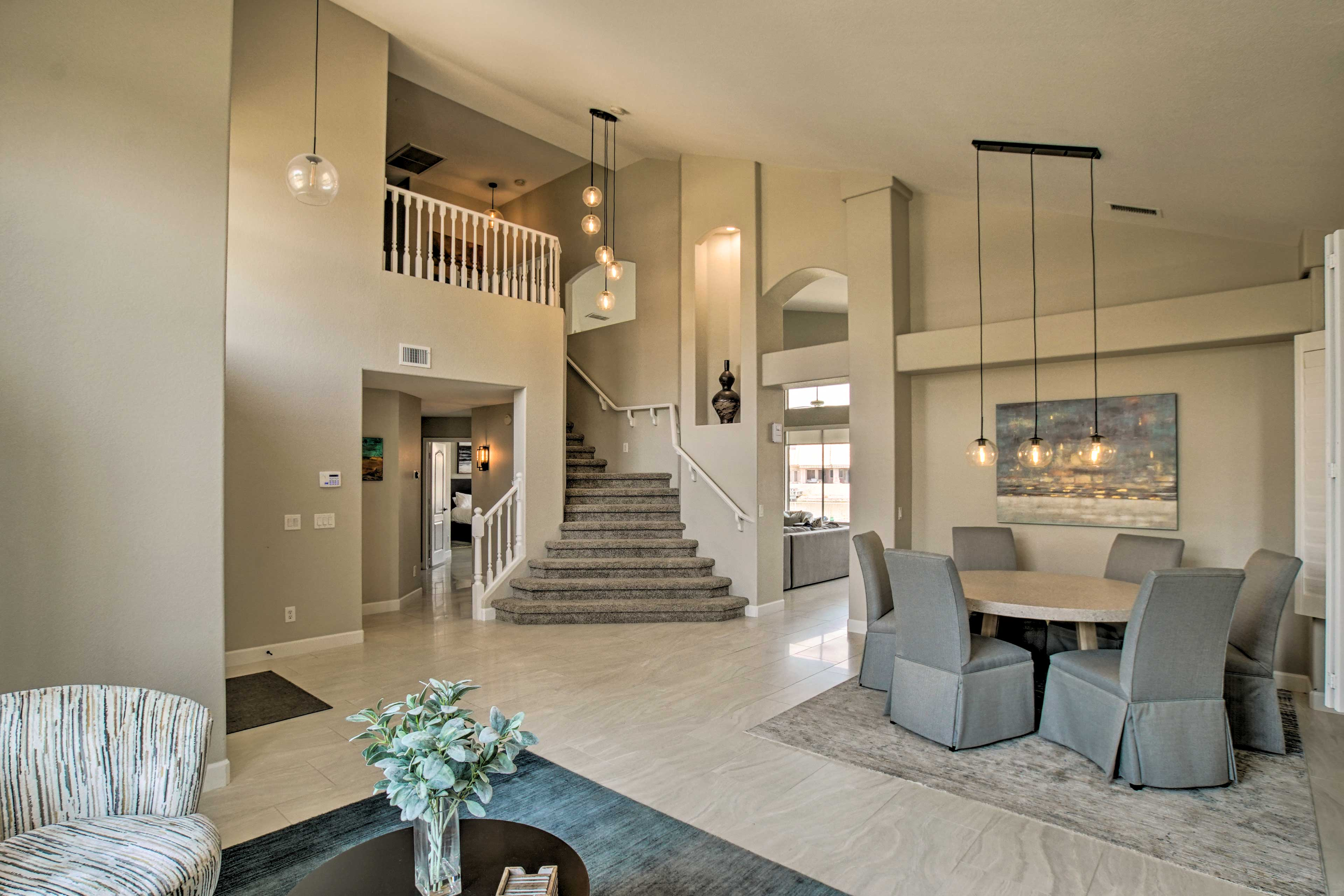 Family Room   Dining Table