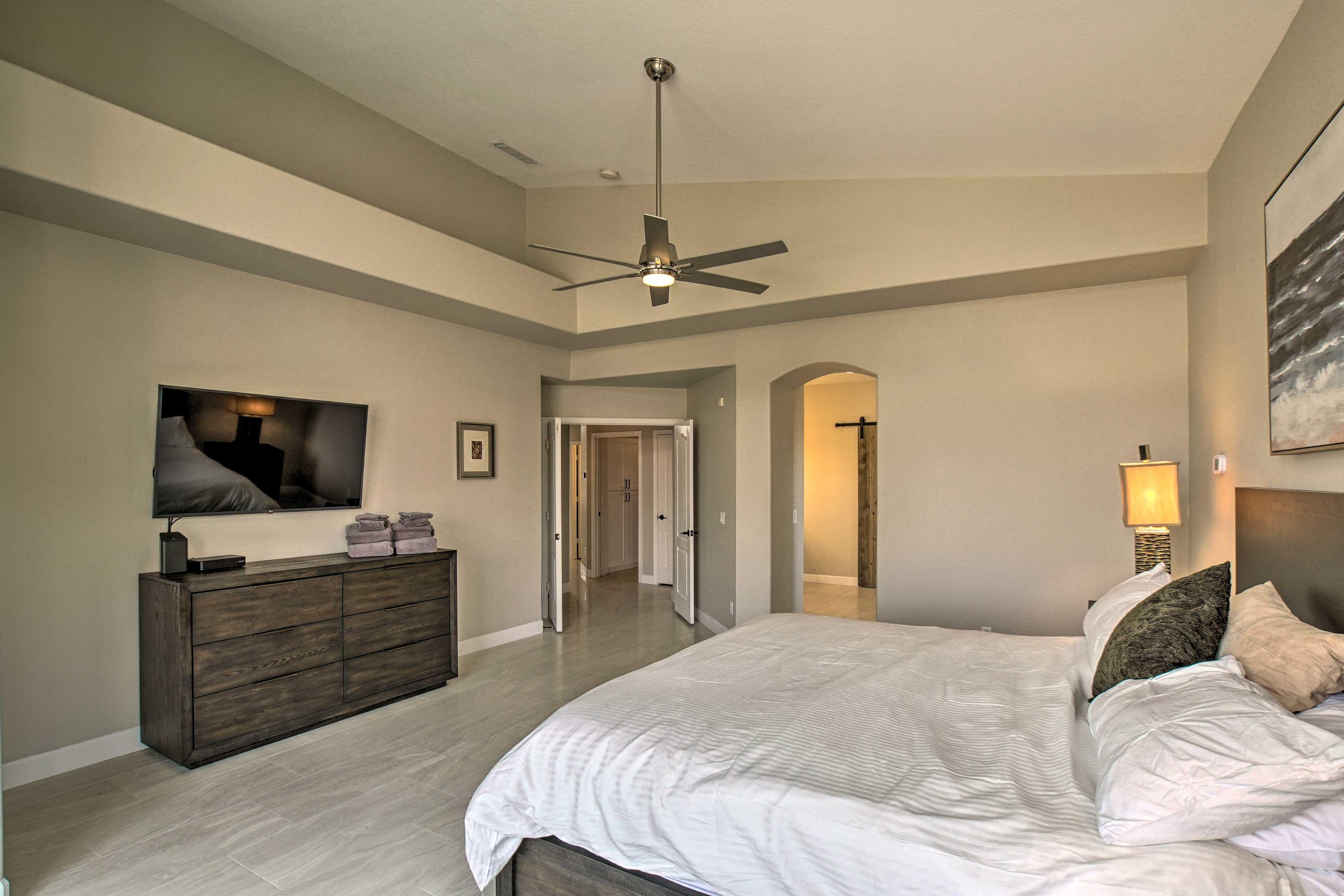 Bedroom 1   Smart TV   En-Suite Bathroom