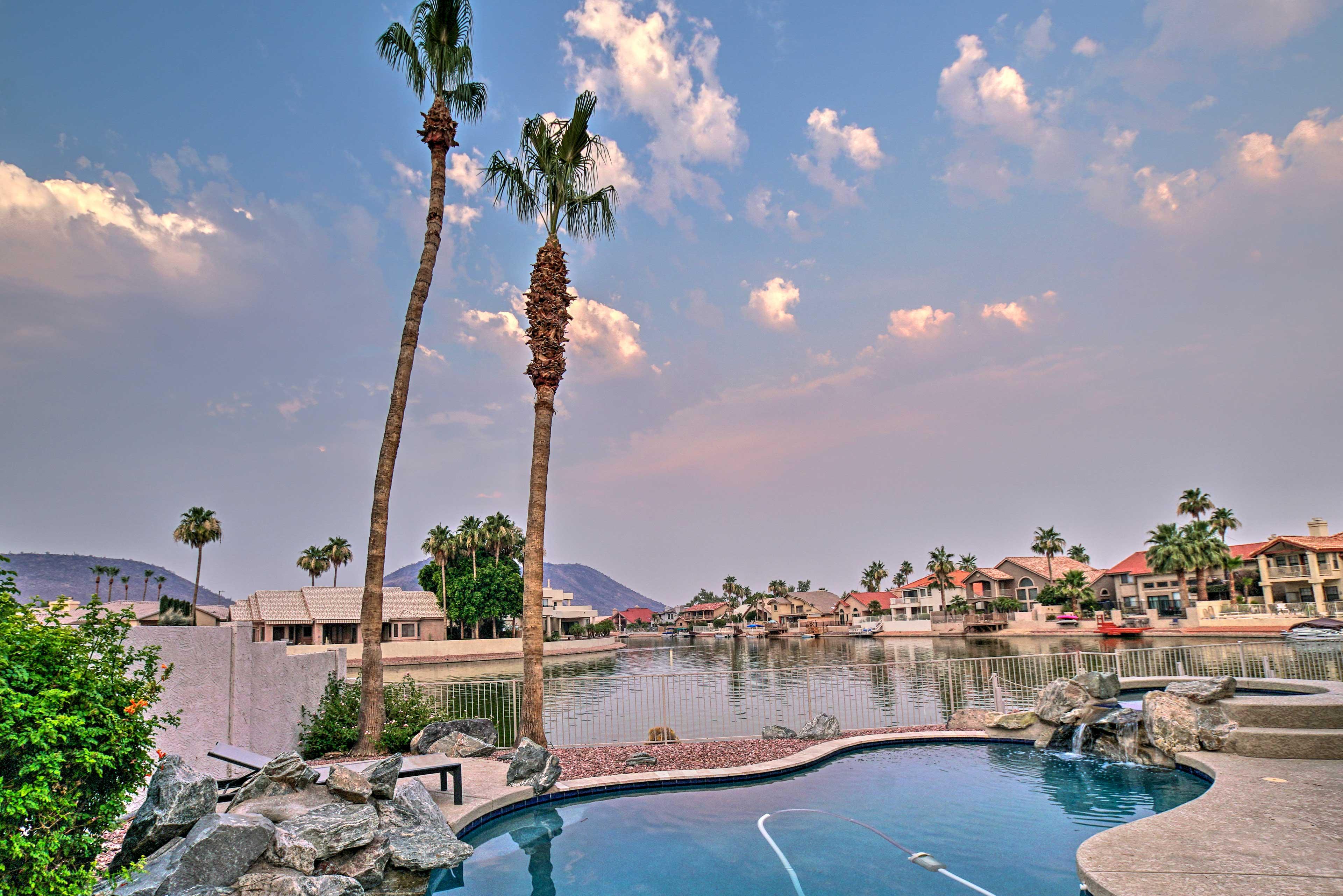 Private Pool   Mountain Views   Spa   Sun Chairs