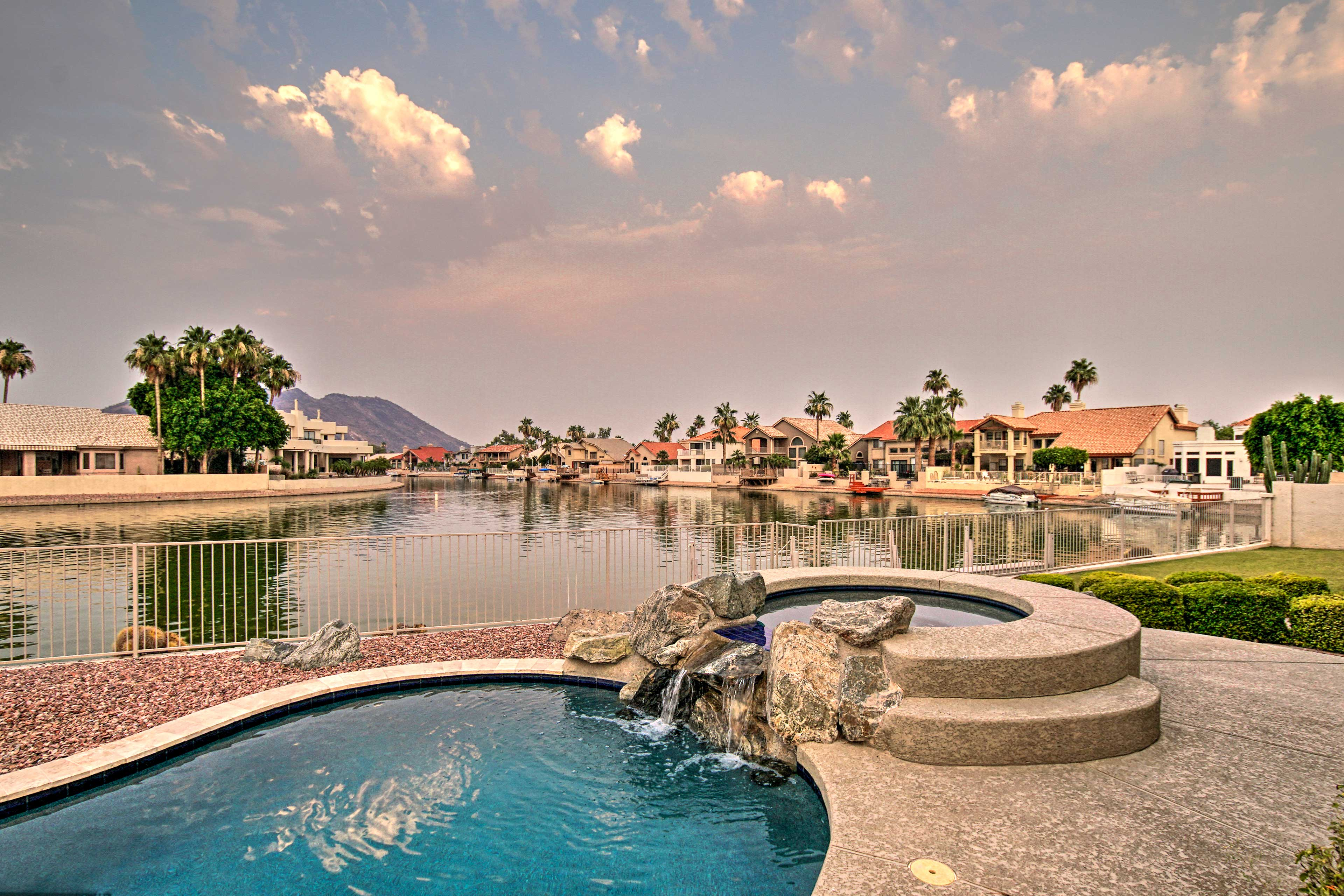 Glendale Vacation Rental Home   4BR   2.5BA   2,700 Sq Ft   Step-Free Access