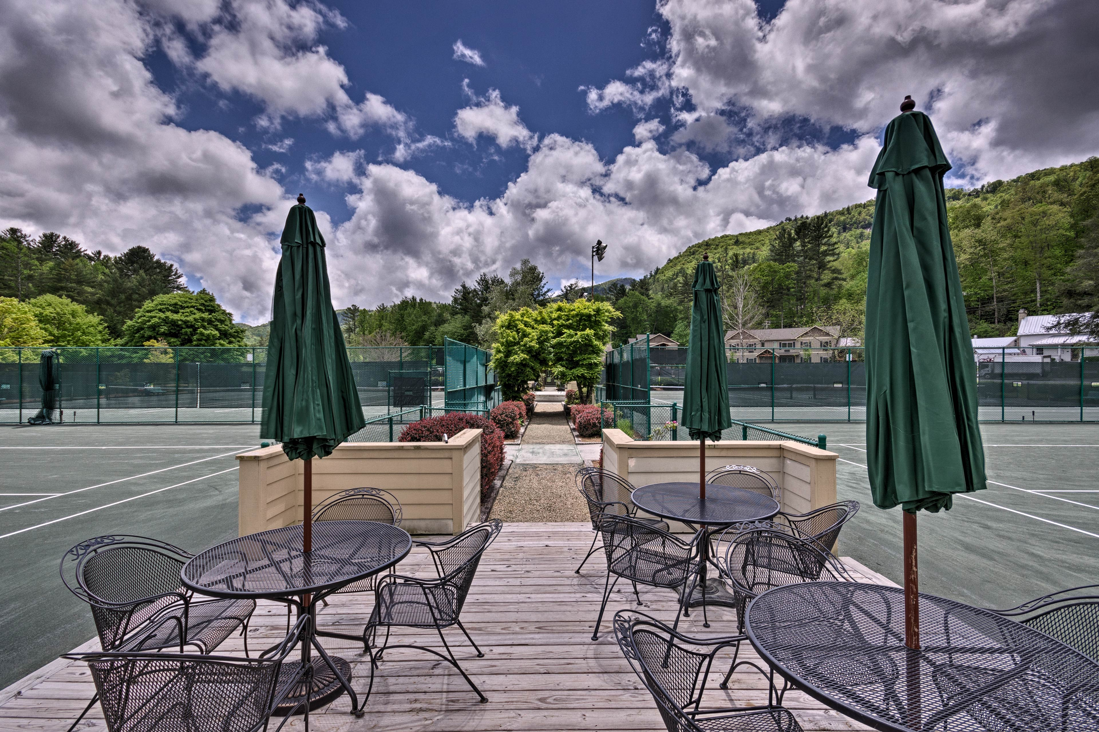 The Sapphire Valley Resort also offers multiple tennis courts.
