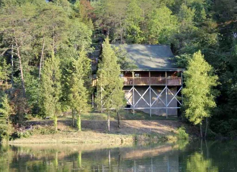 This home is located right on the lake!
