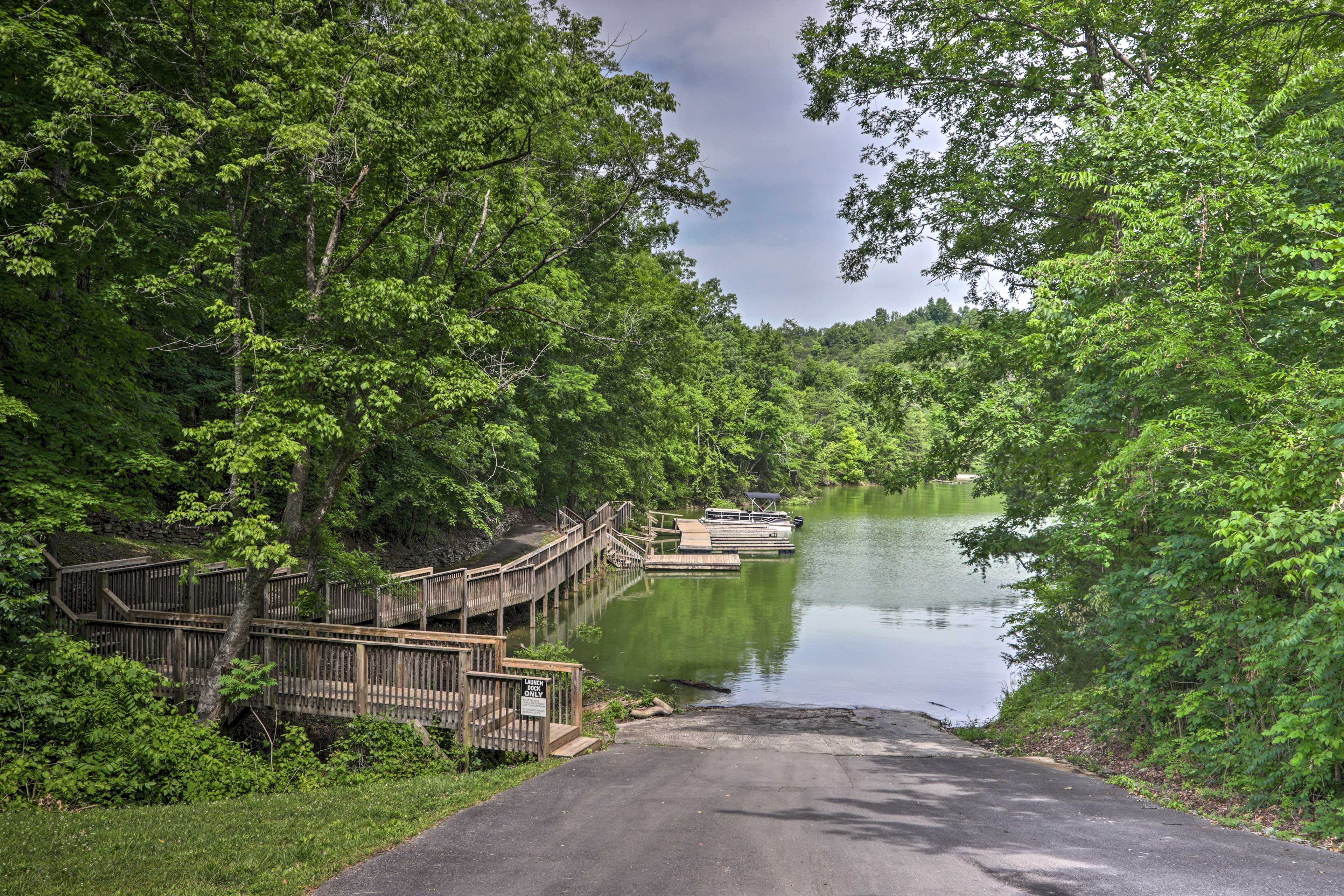Bring your boat and access the boat slip!
