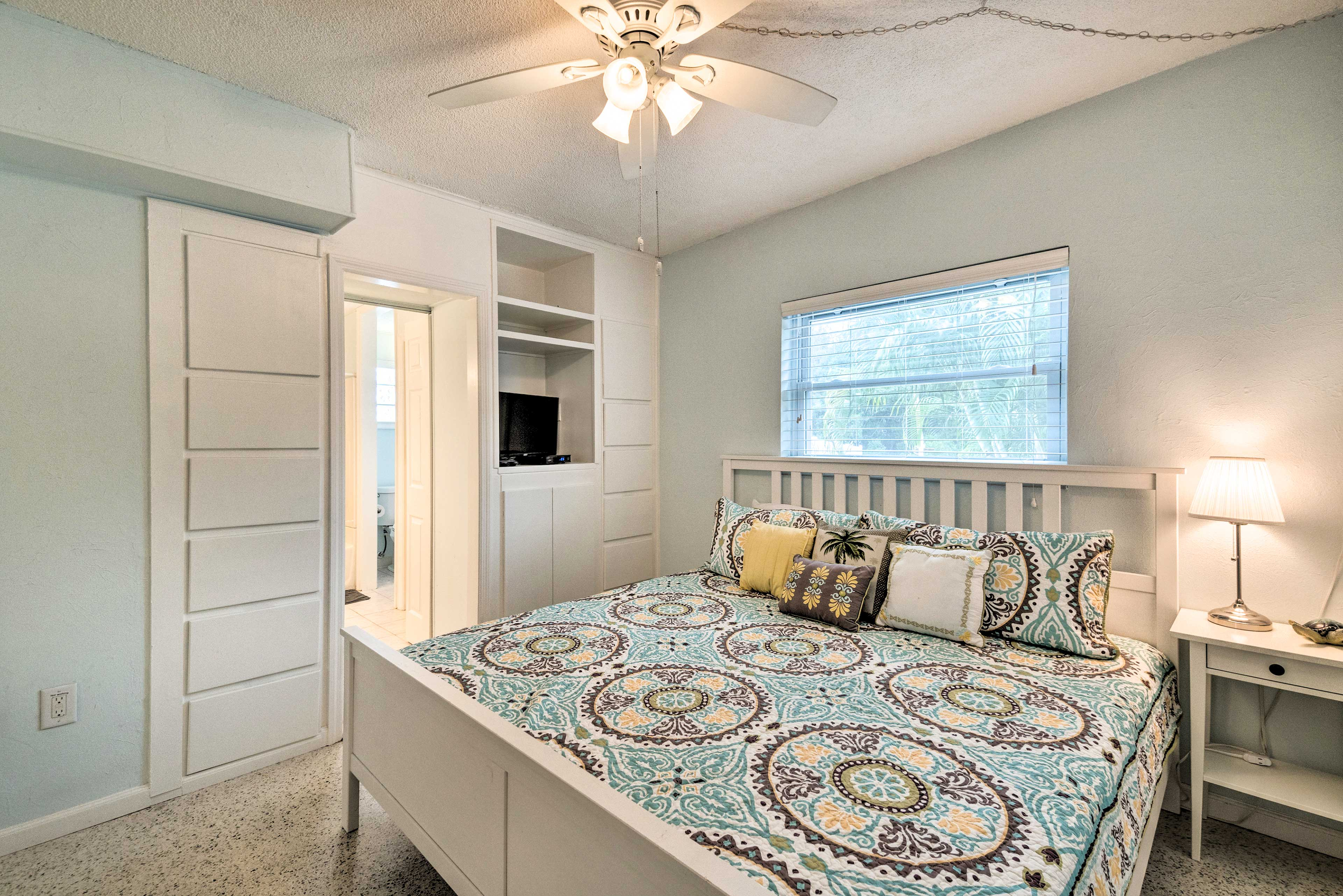 Those staying in the master bedroom can curl up on the king bed.