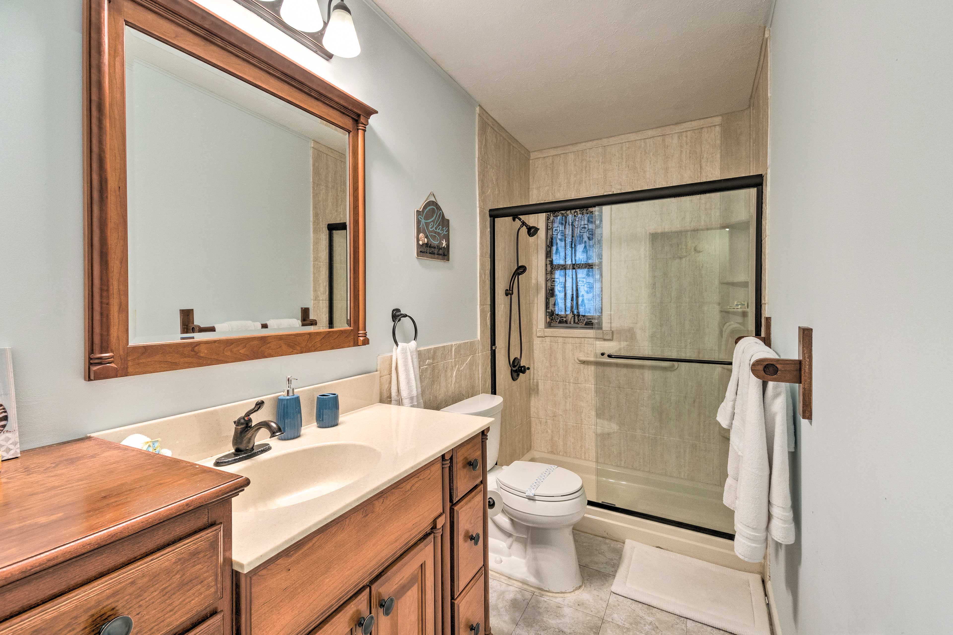 There are grab rails in this walk-in shower.