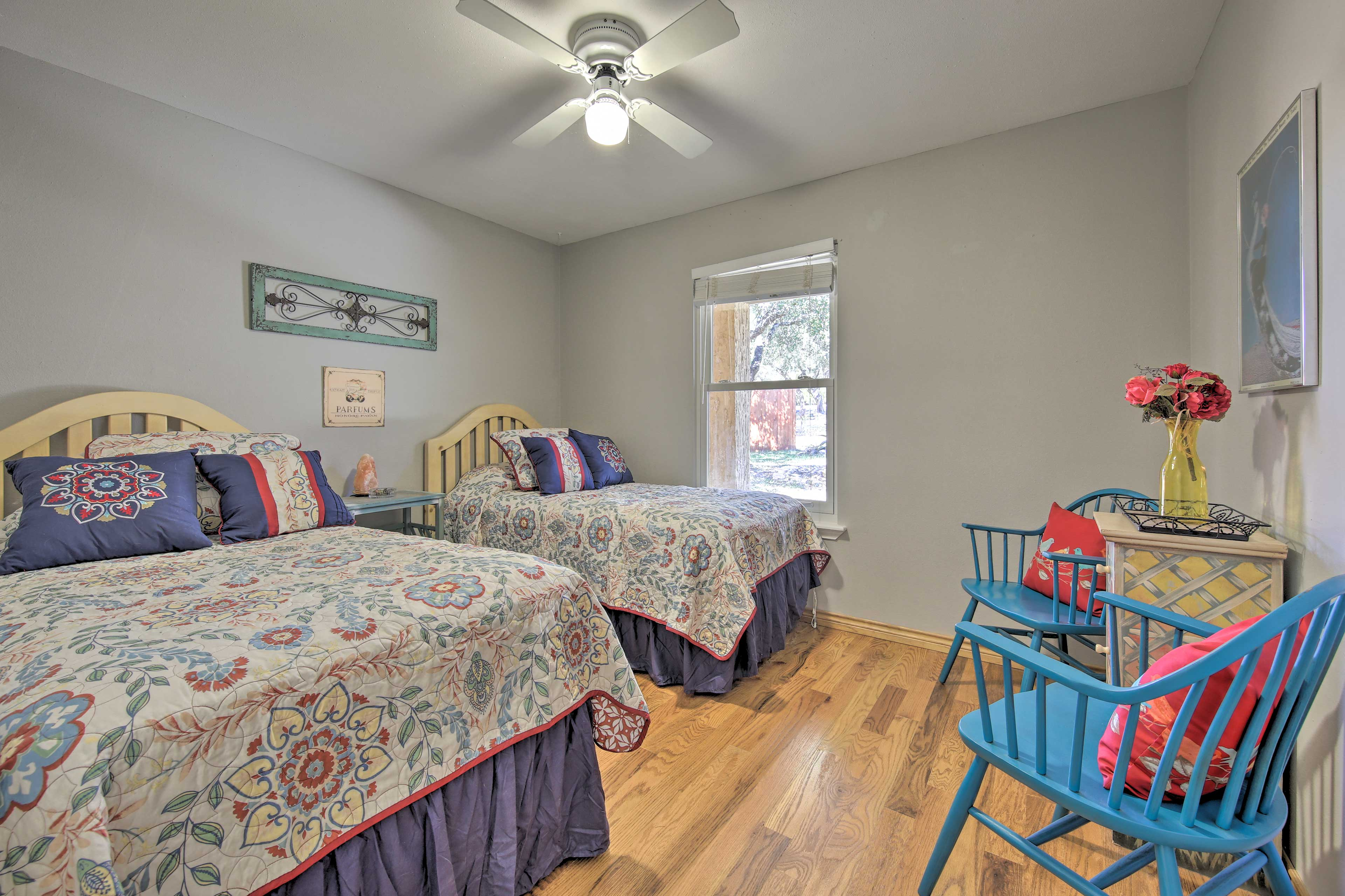 2 guests can share the comfort of this cozy room.