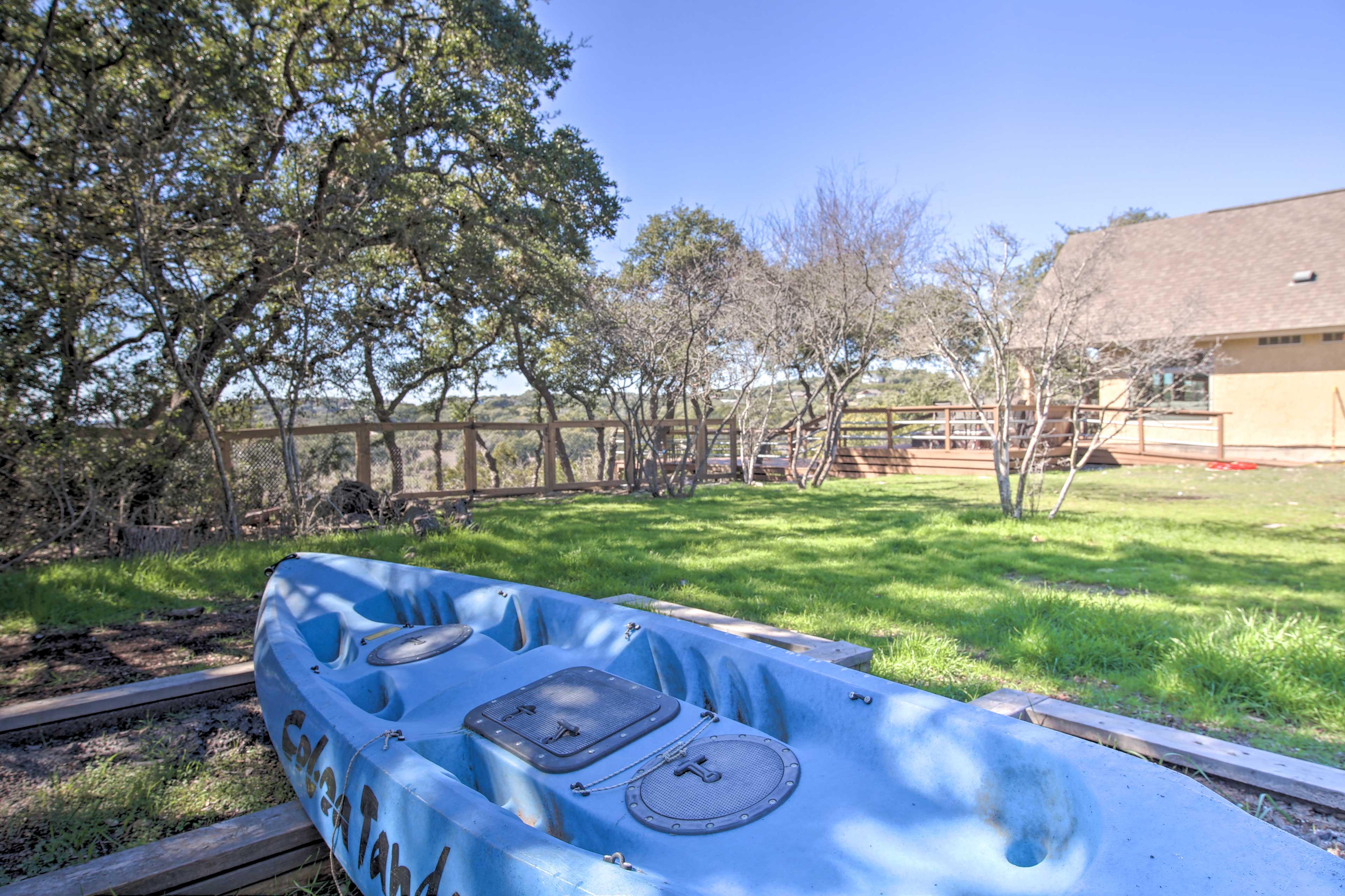 Take the kayak out on Canyon Lake!