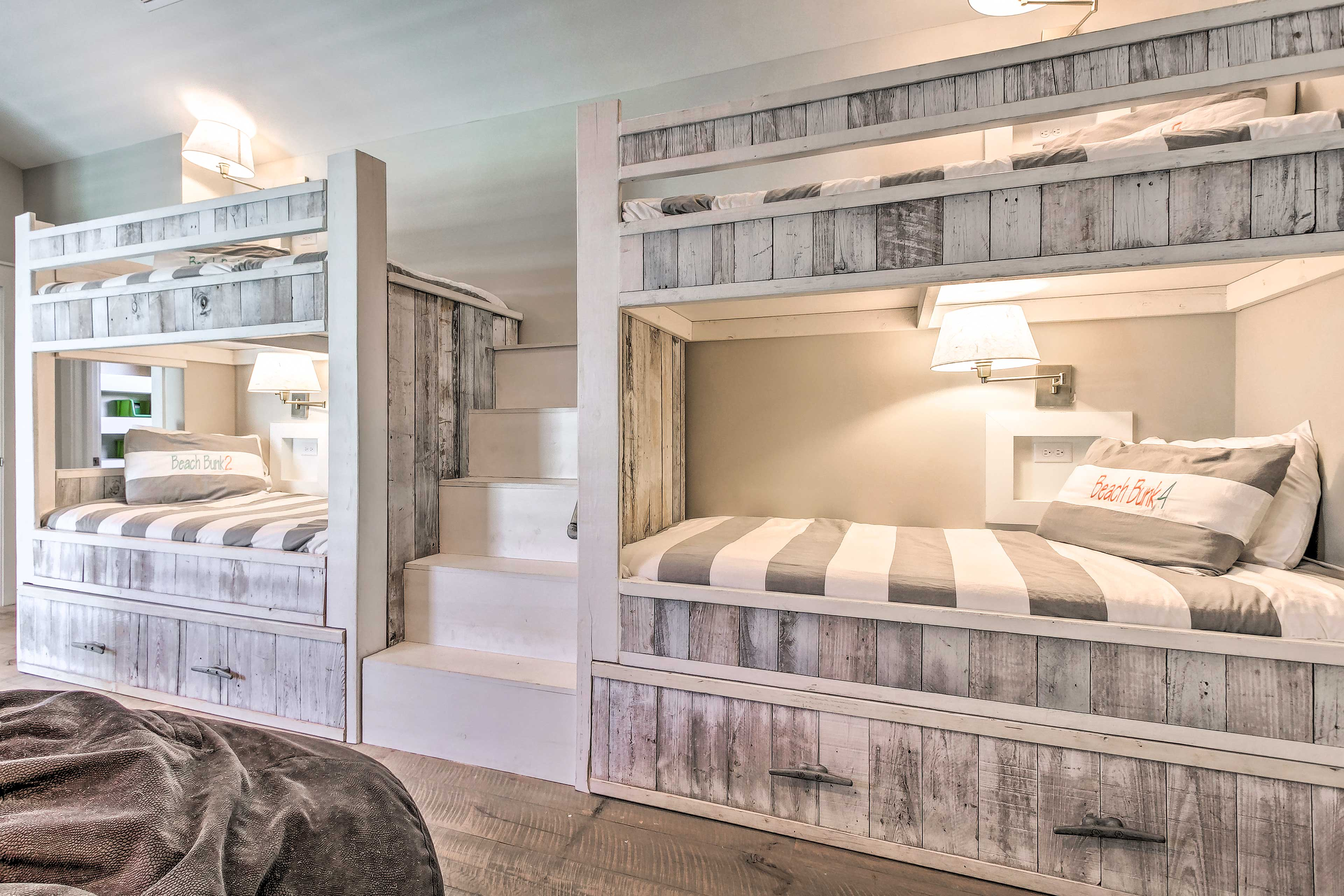 In total, this room can sleep 6 guests, making it ideal for kids' sleepovers!