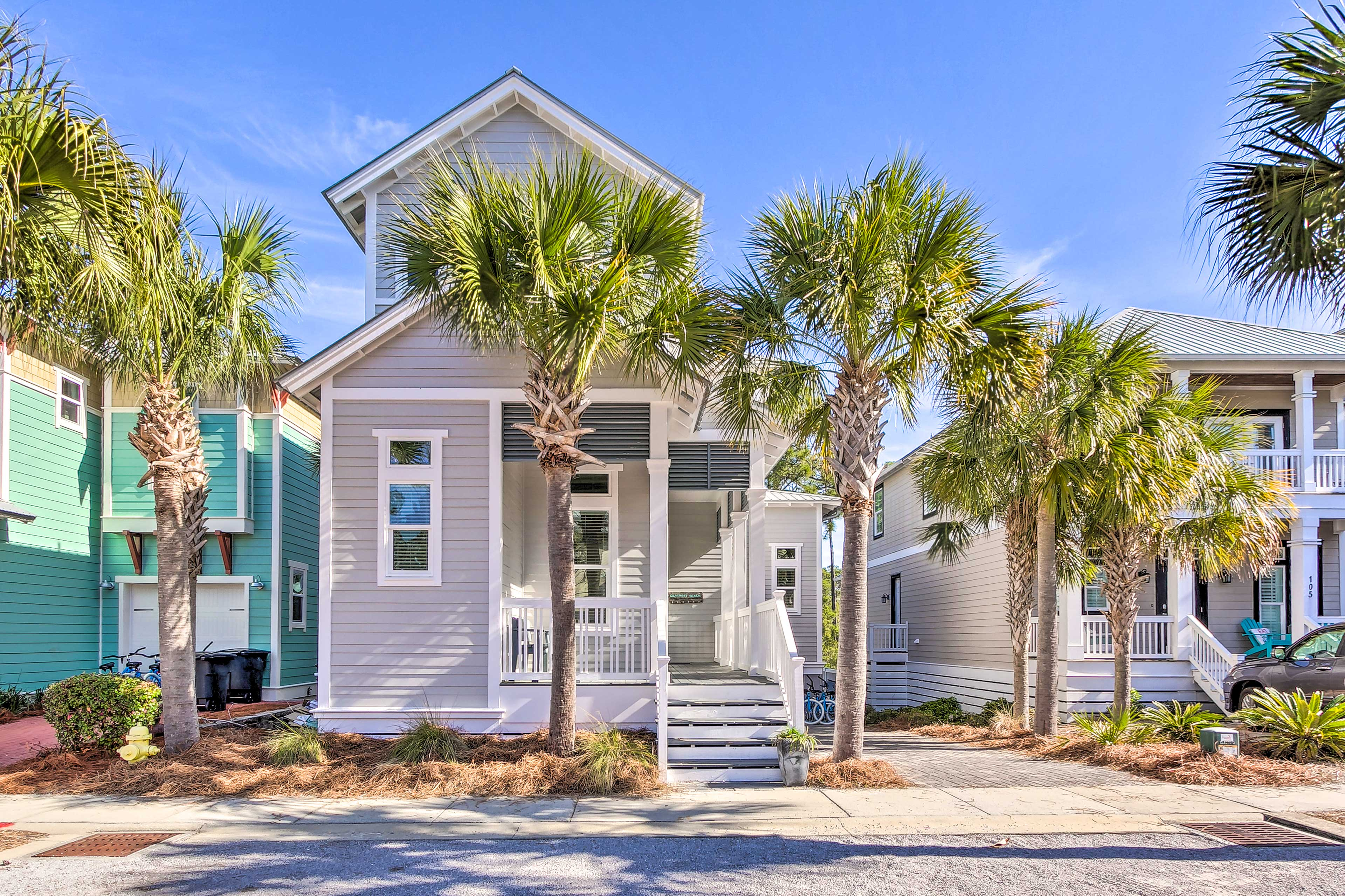You'll be less than a 1-mile walk from the Gulf Coast shore!