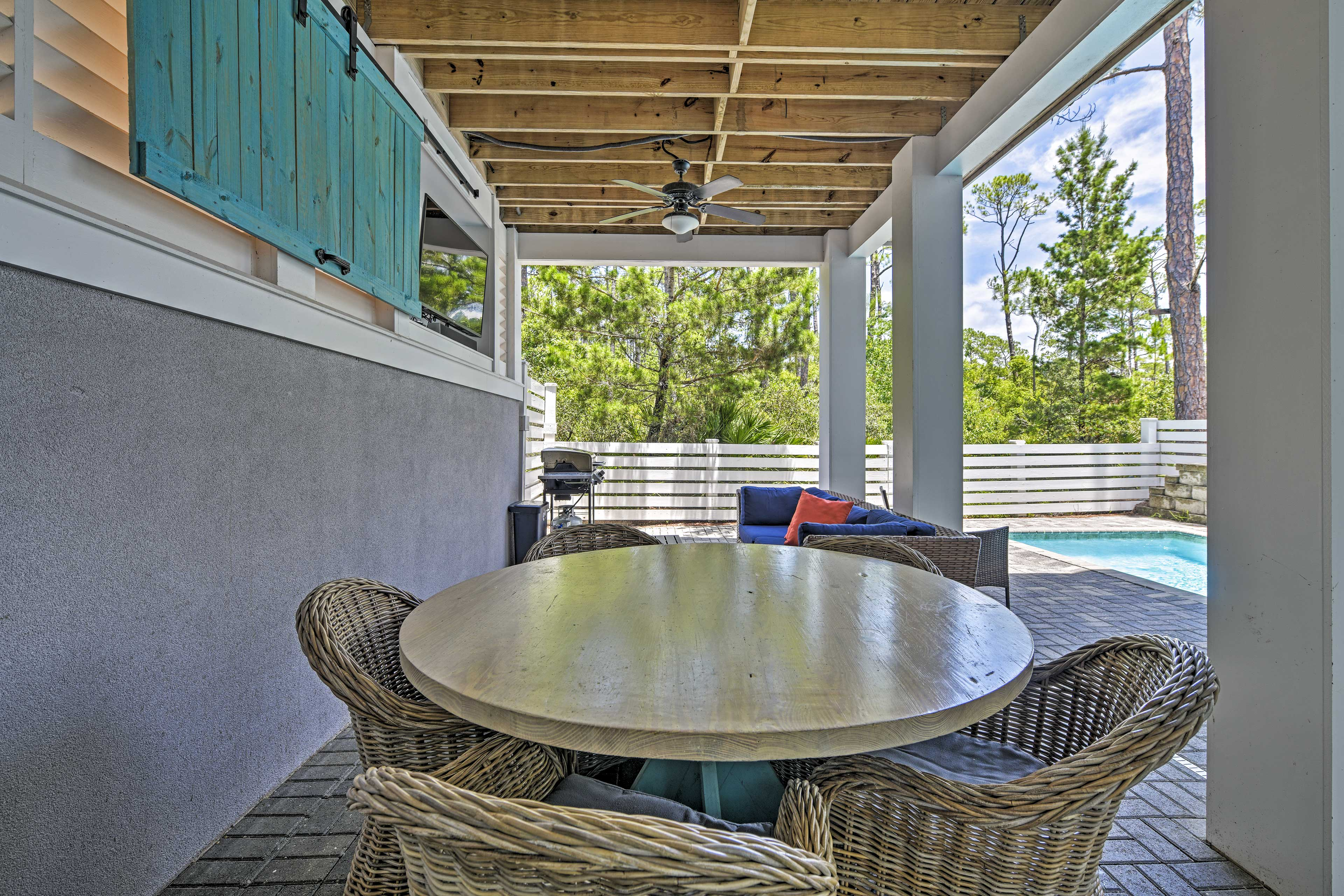 Stream a movie from the covered patio, or share a meal with friends.
