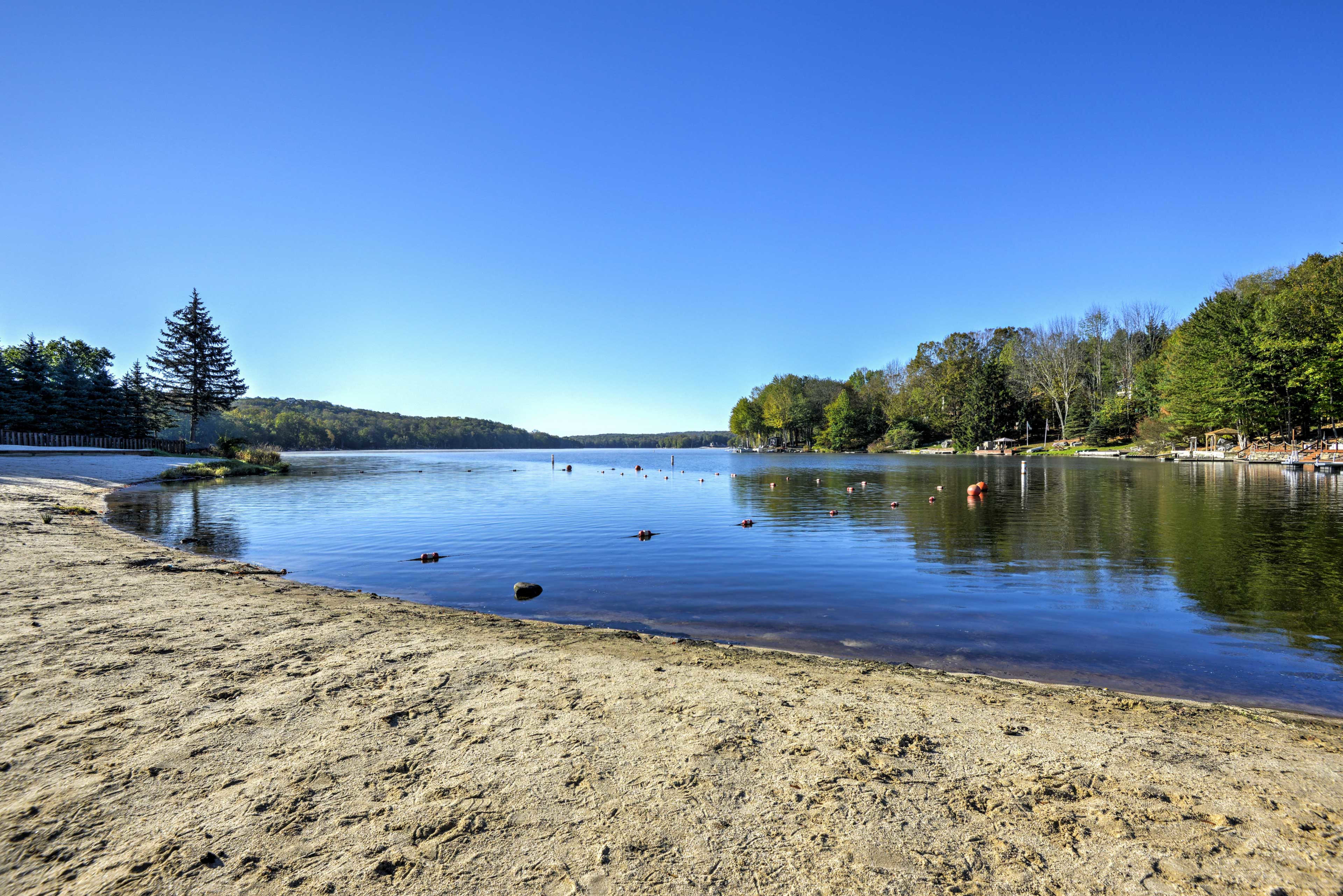 Once the snow melts, you'll love spending lazy days by the lake!