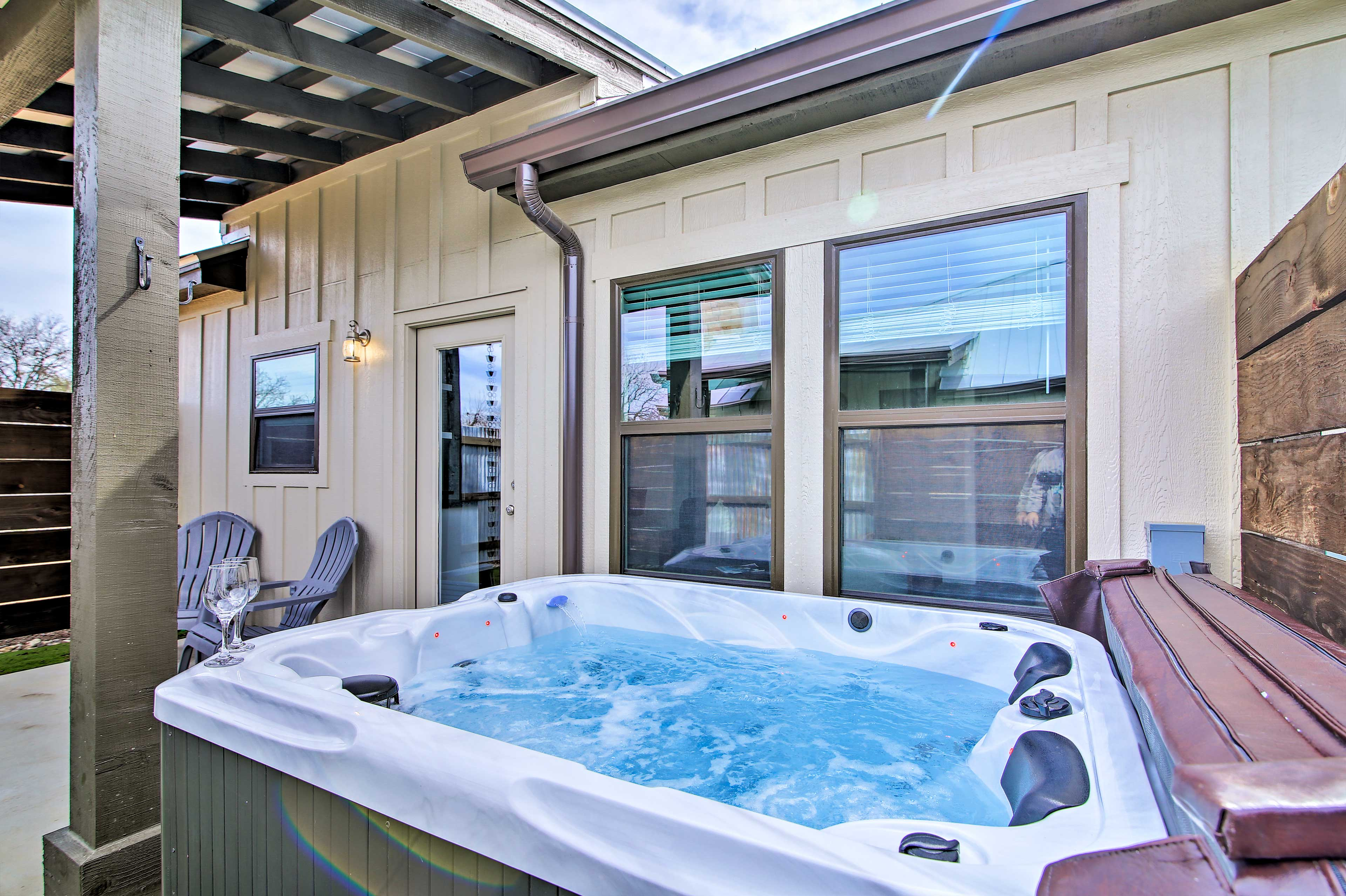 Let your worries soak away after exploring the local wineries.