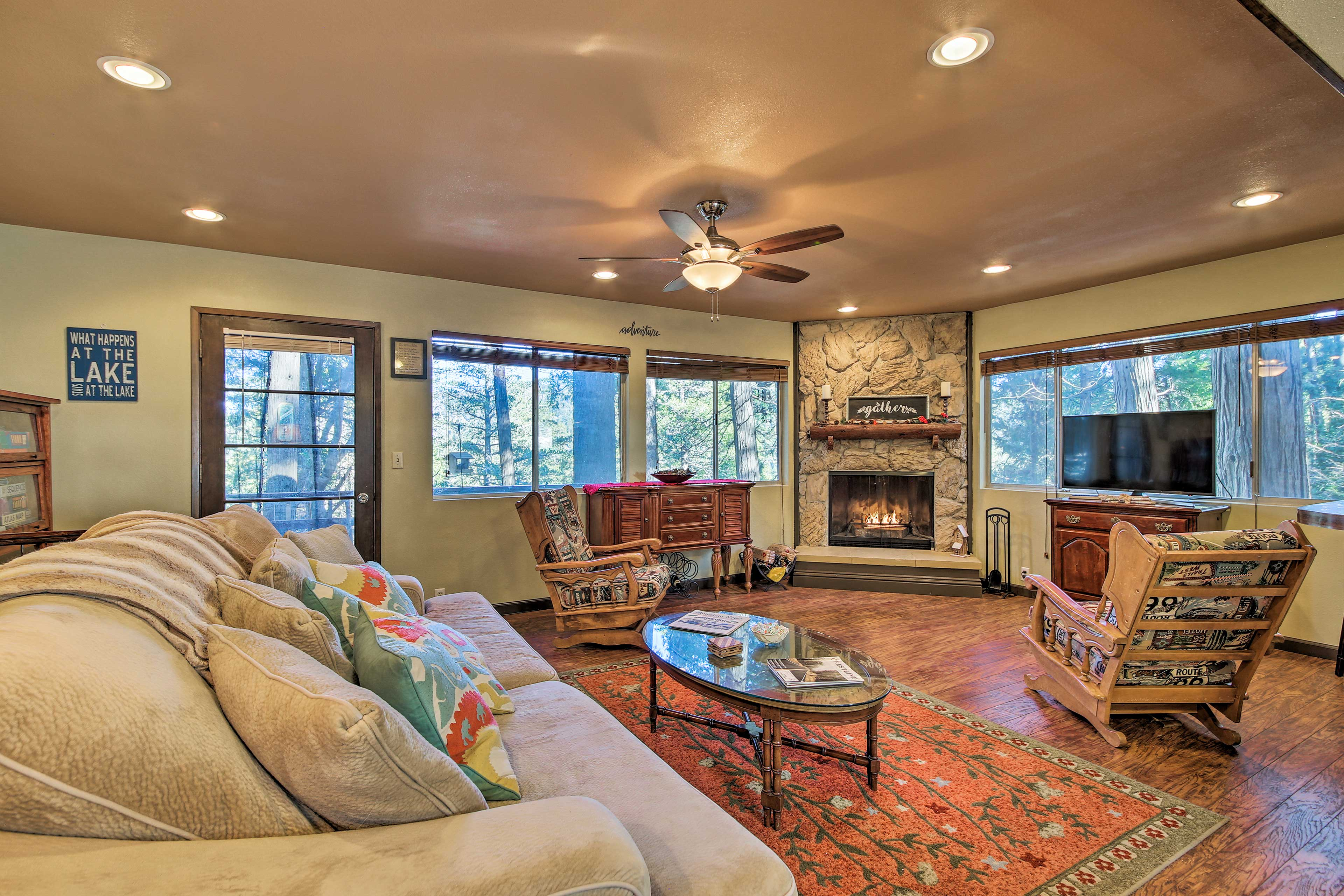 Retreat to the beautiful Crestline area at this rustic vacation rental home!