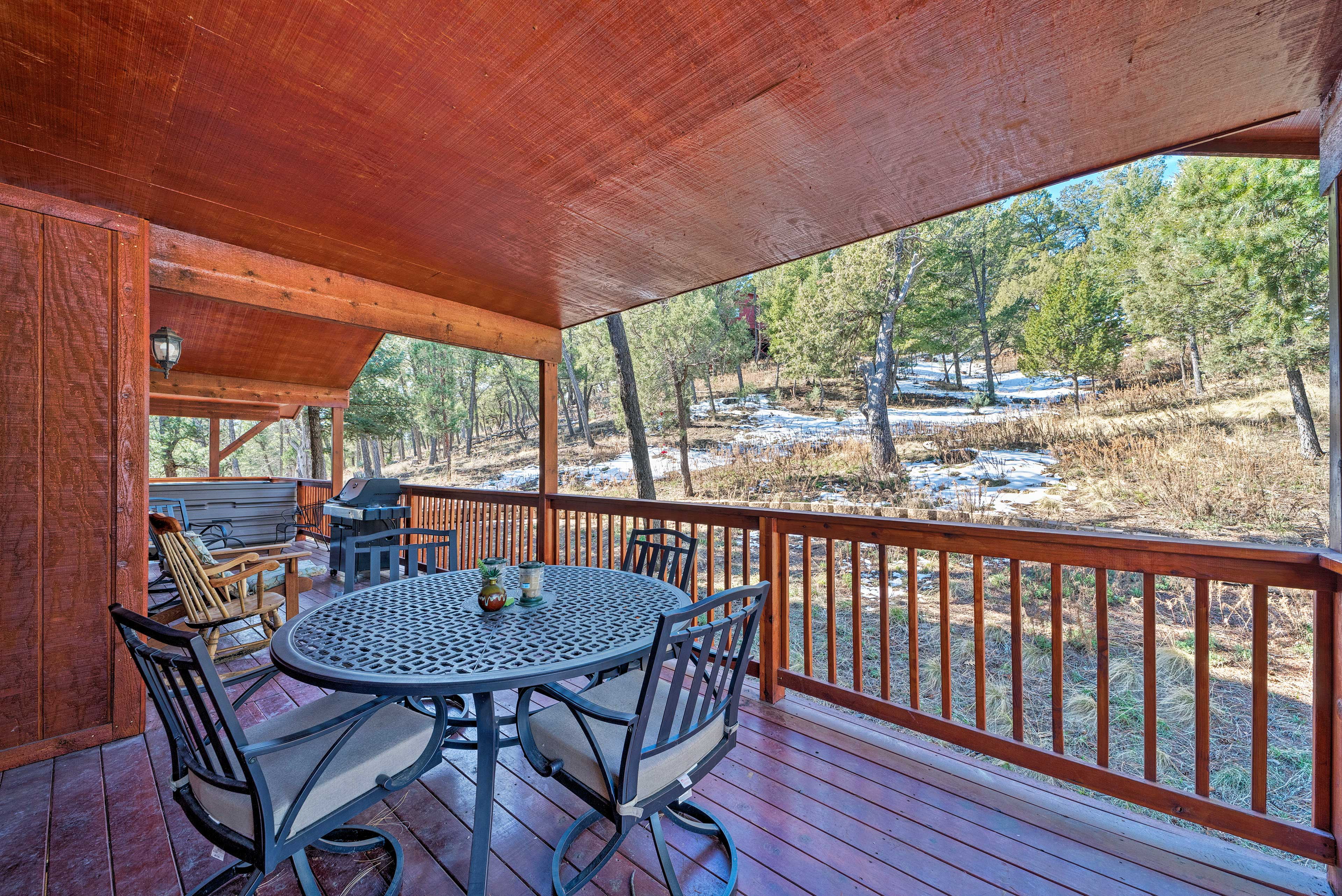 Covered Deck | Outdoor Dining Area