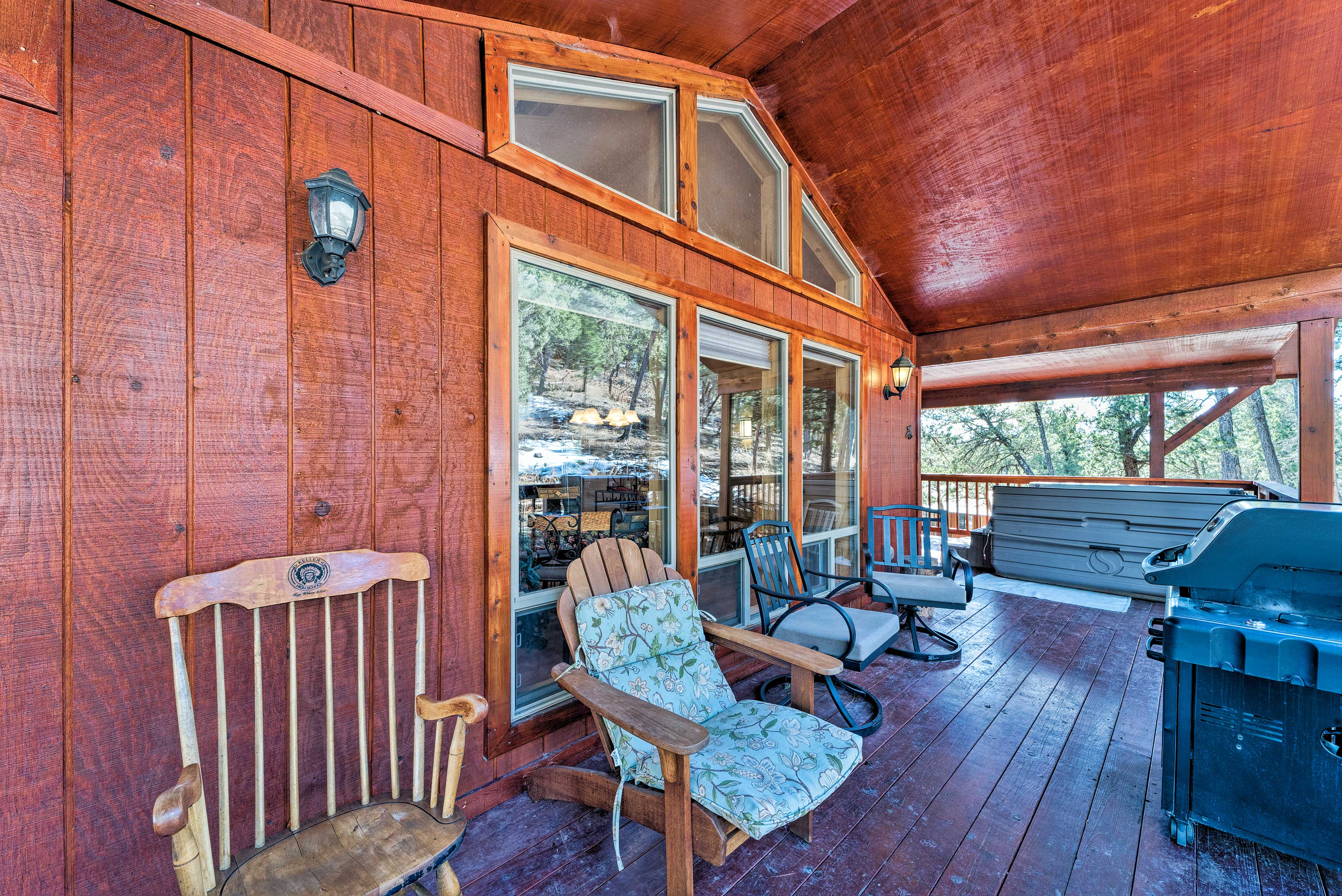 Covered Deck | Gas Grill