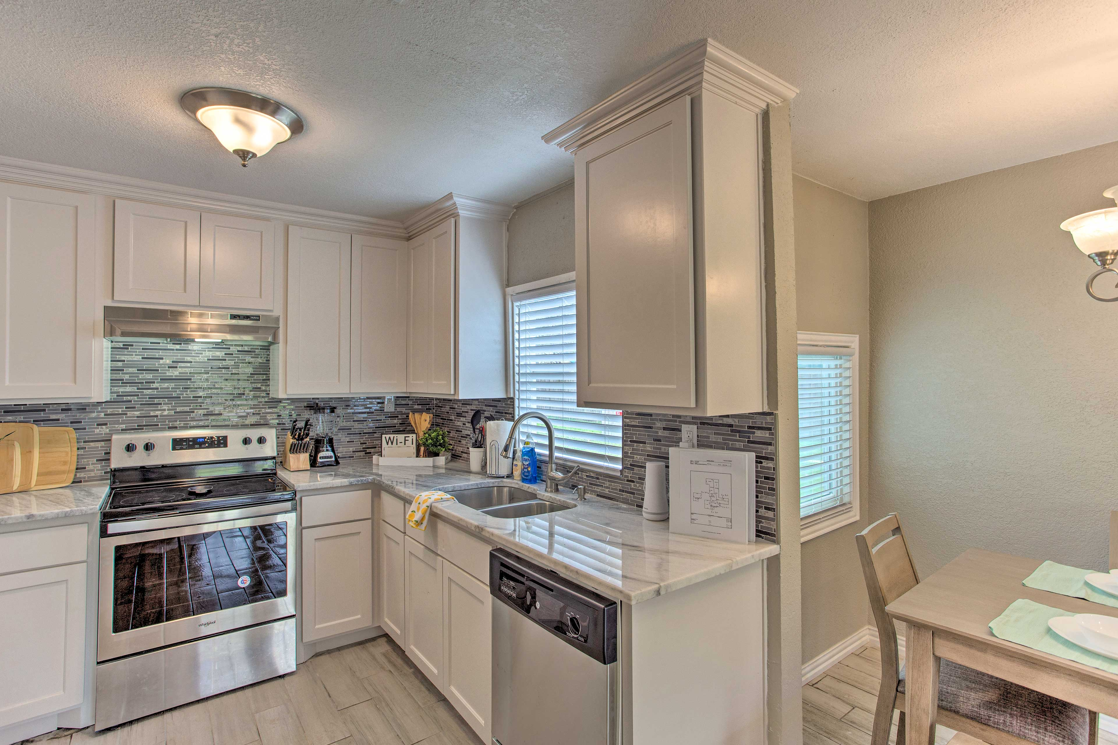 Cook your favorite recipes in this fully equipped kitchen.